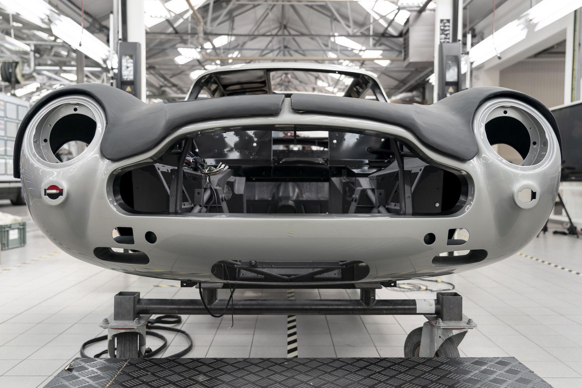 Aston-Martin-DB5-Goldfinger-Continuation_15