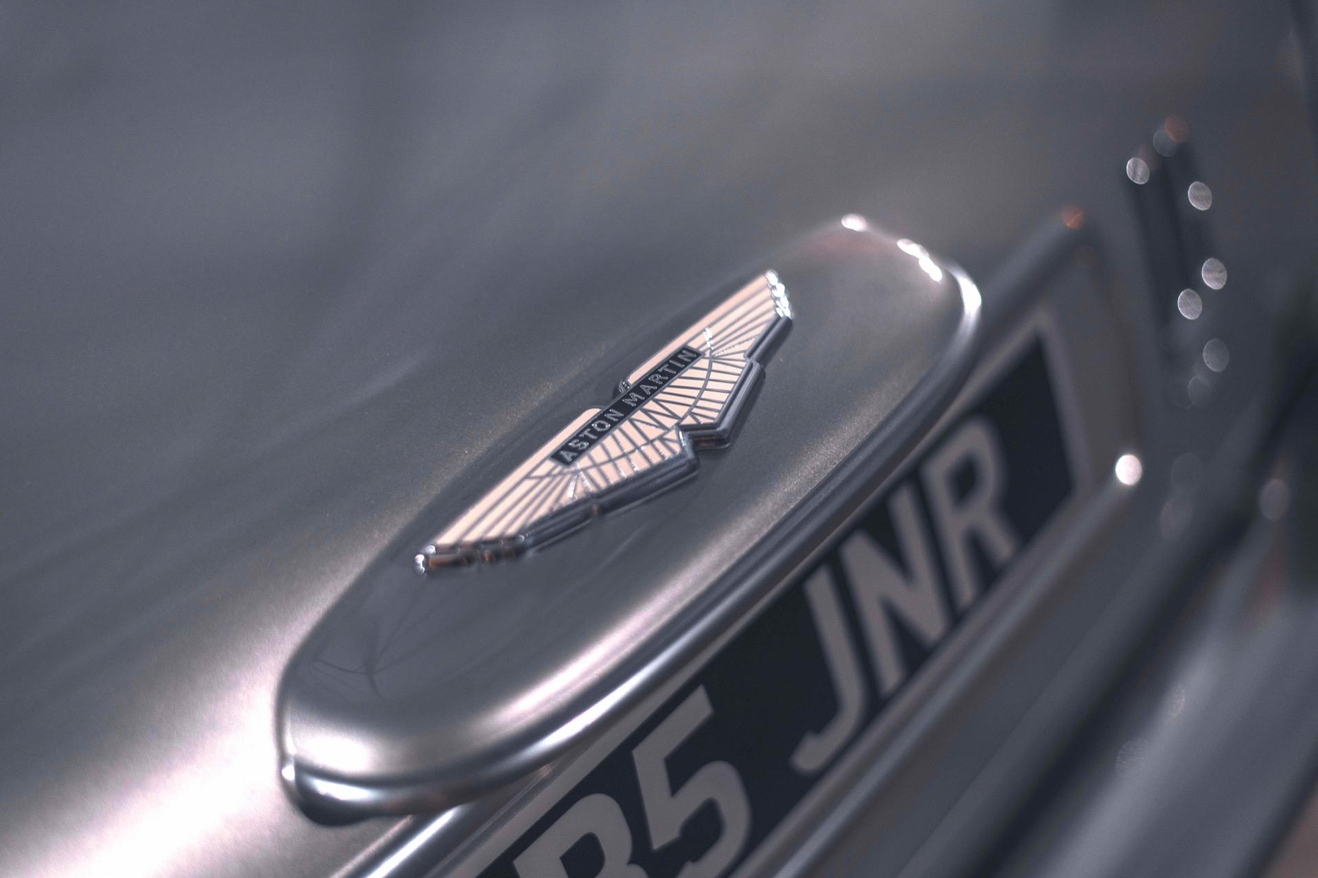 Aston-Martin-DB5-Junior-7