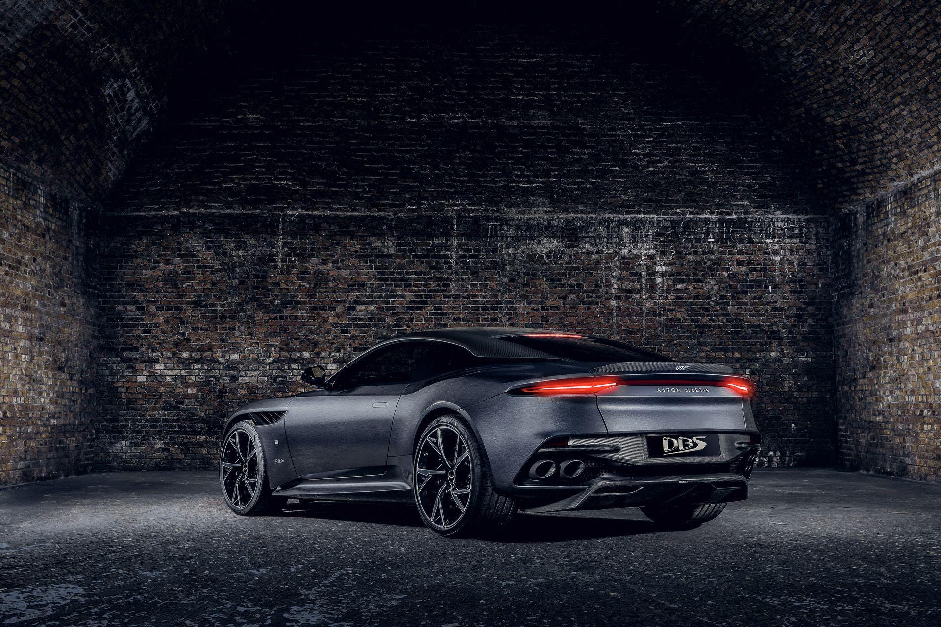 2021-aston-martin-dbs-superleggera-007-edition-4
