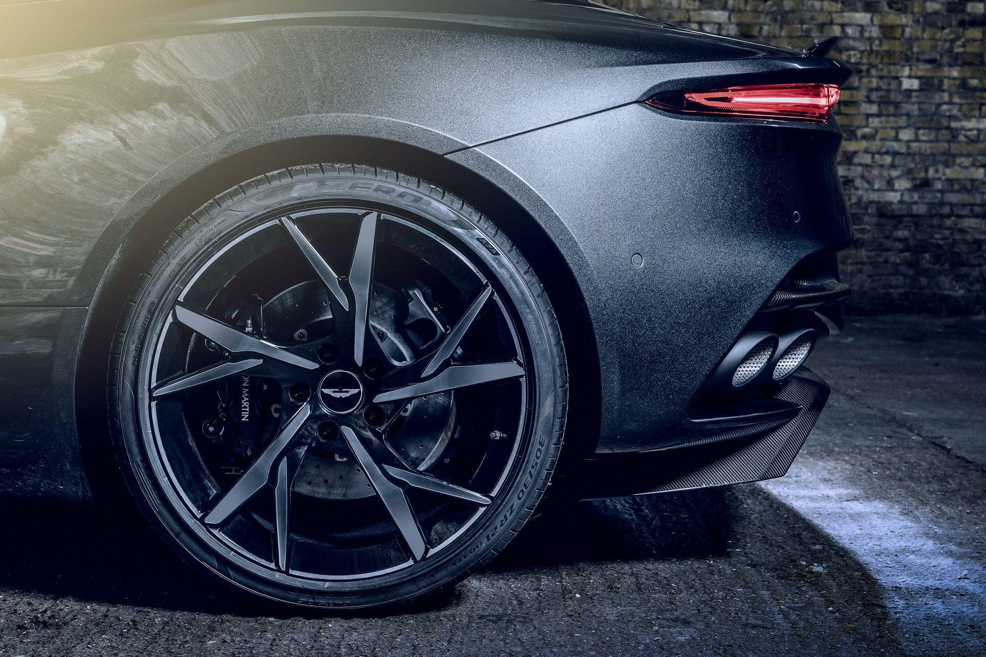 2021-aston-martin-dbs-superleggera-007-edition-7