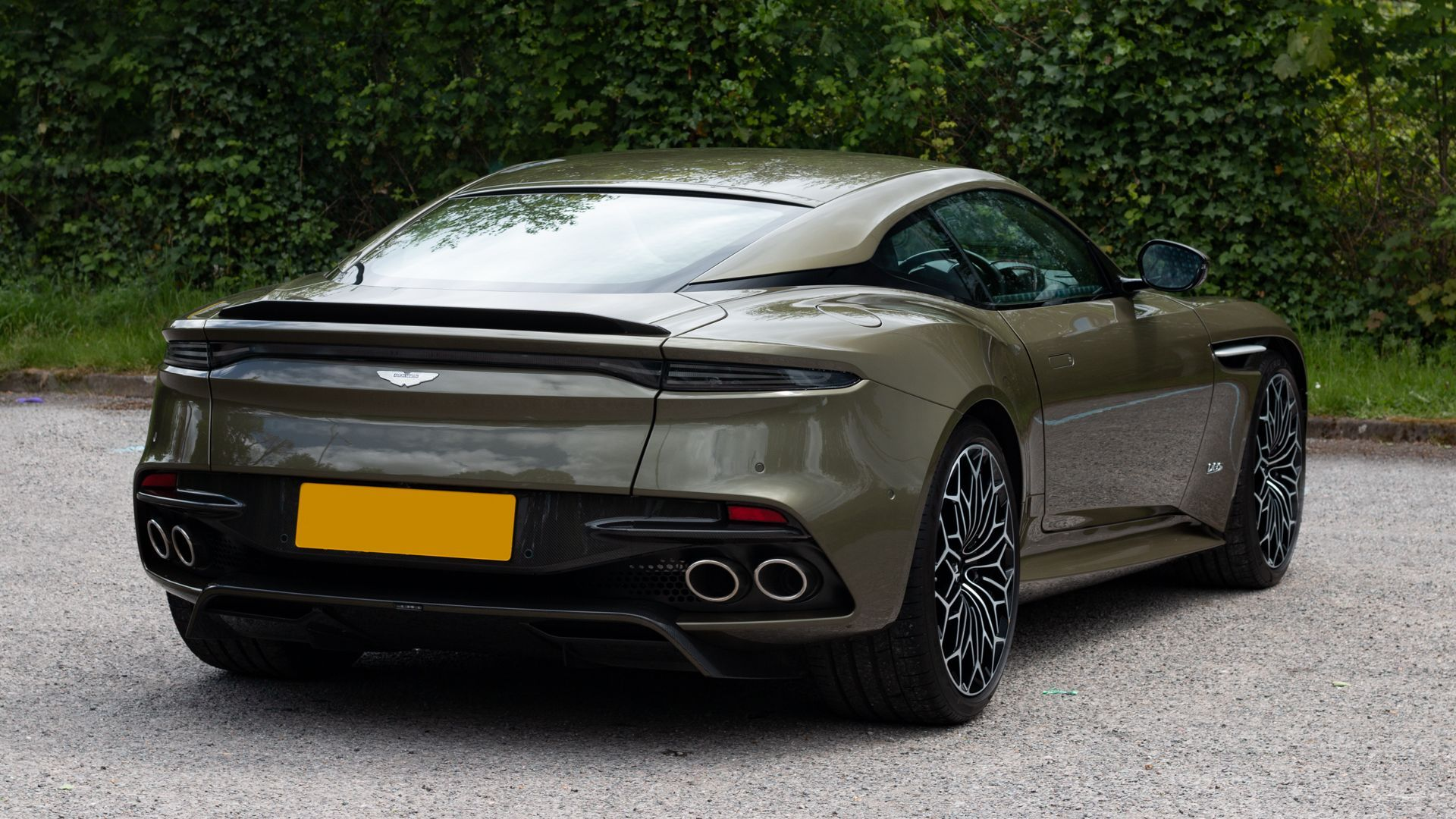Aston_Martin_DBS_Superleggera_OHMSS_sale_0000