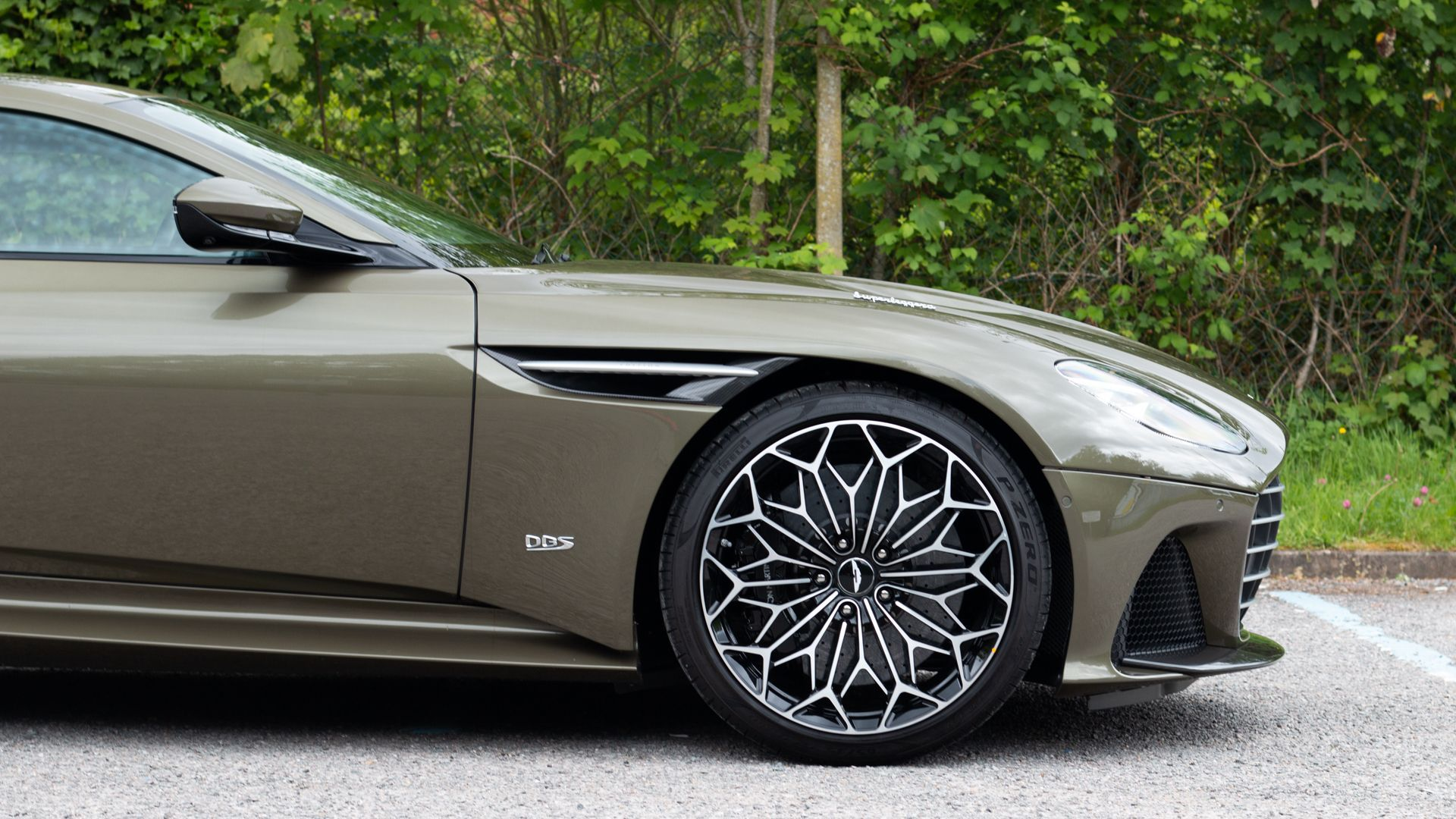Aston_Martin_DBS_Superleggera_OHMSS_sale_0005