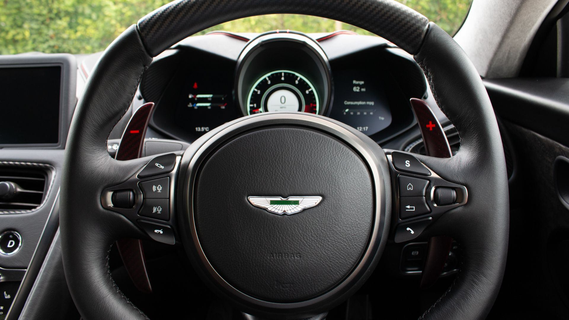 Aston_Martin_DBS_Superleggera_OHMSS_sale_0012