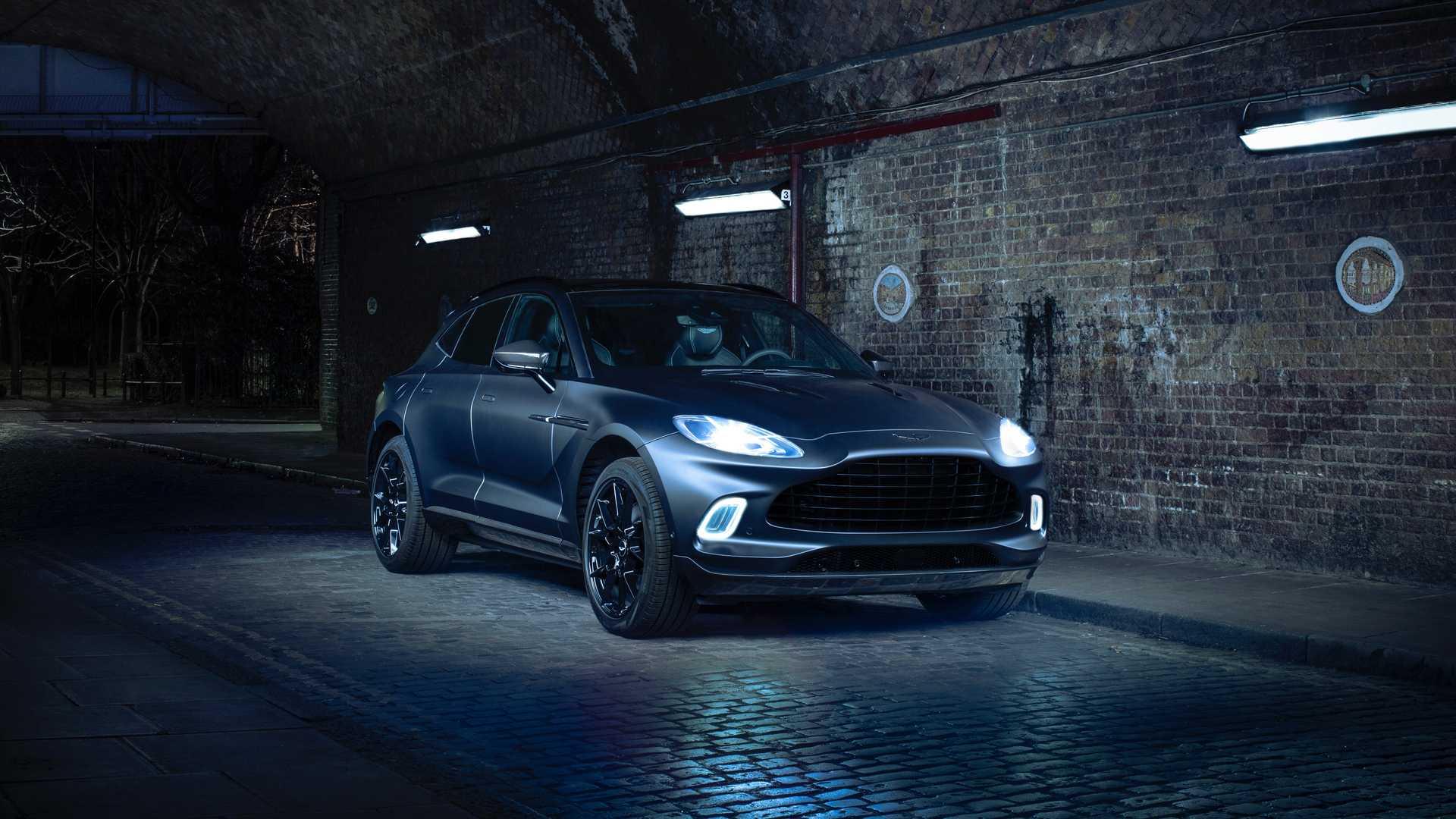 Aston-Martin-DBX-Q-1