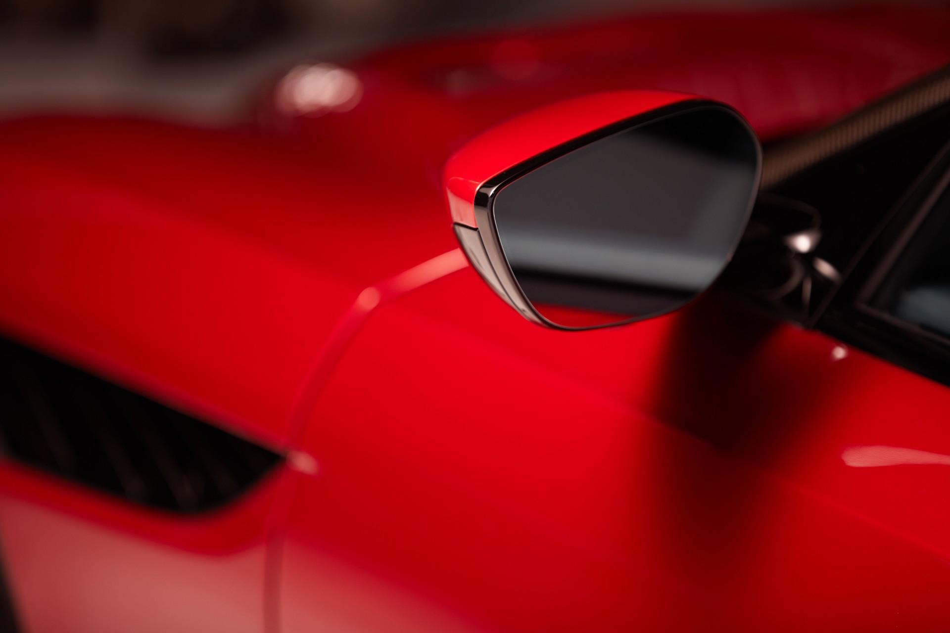 Aston-Martin-tri-camera-rearview-mirror-system-2
