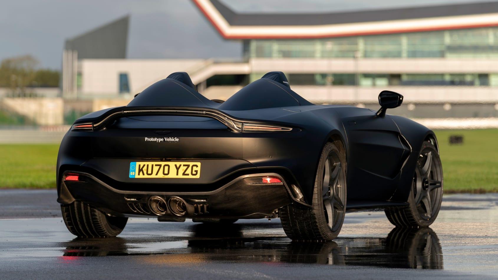 Aston_Martin_V12_Speedster_prototype_0002