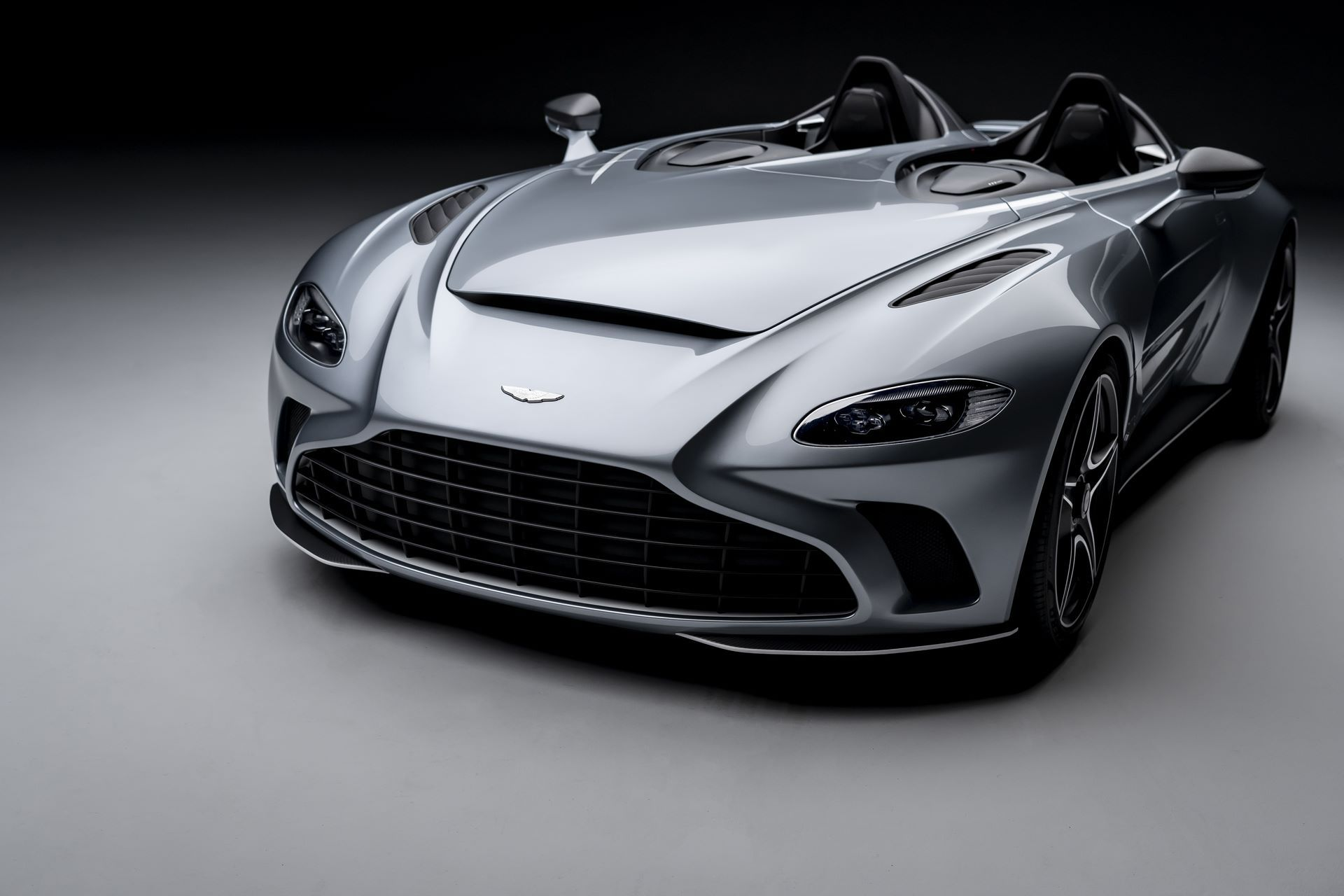 Aston-Martin-V12-Speedster-3