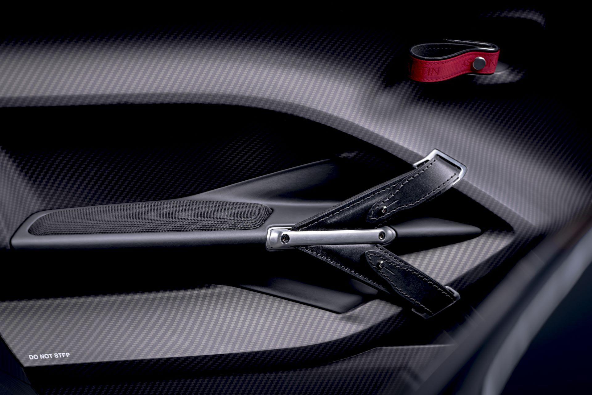 Aston-Martin-V12-Speedster-6