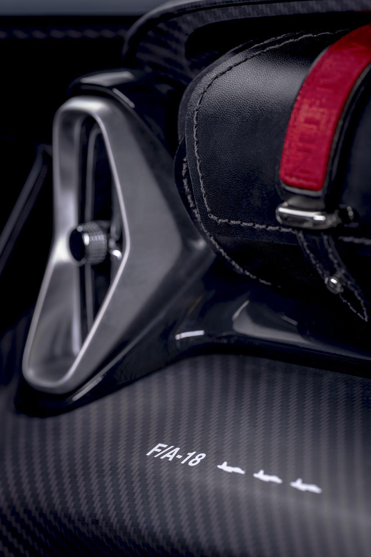 Aston-Martin-V12-Speedster-9