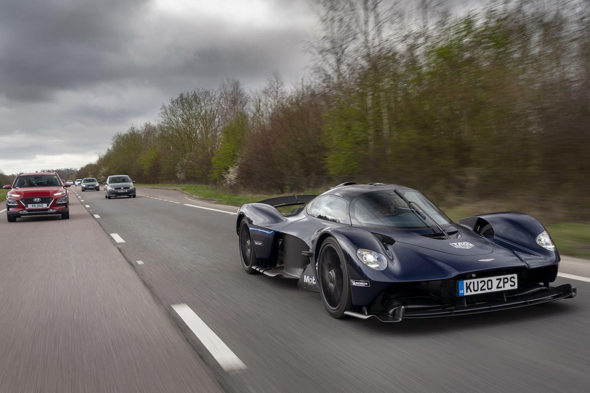 Aston_Martin_Valkyrie_public_roads_0000