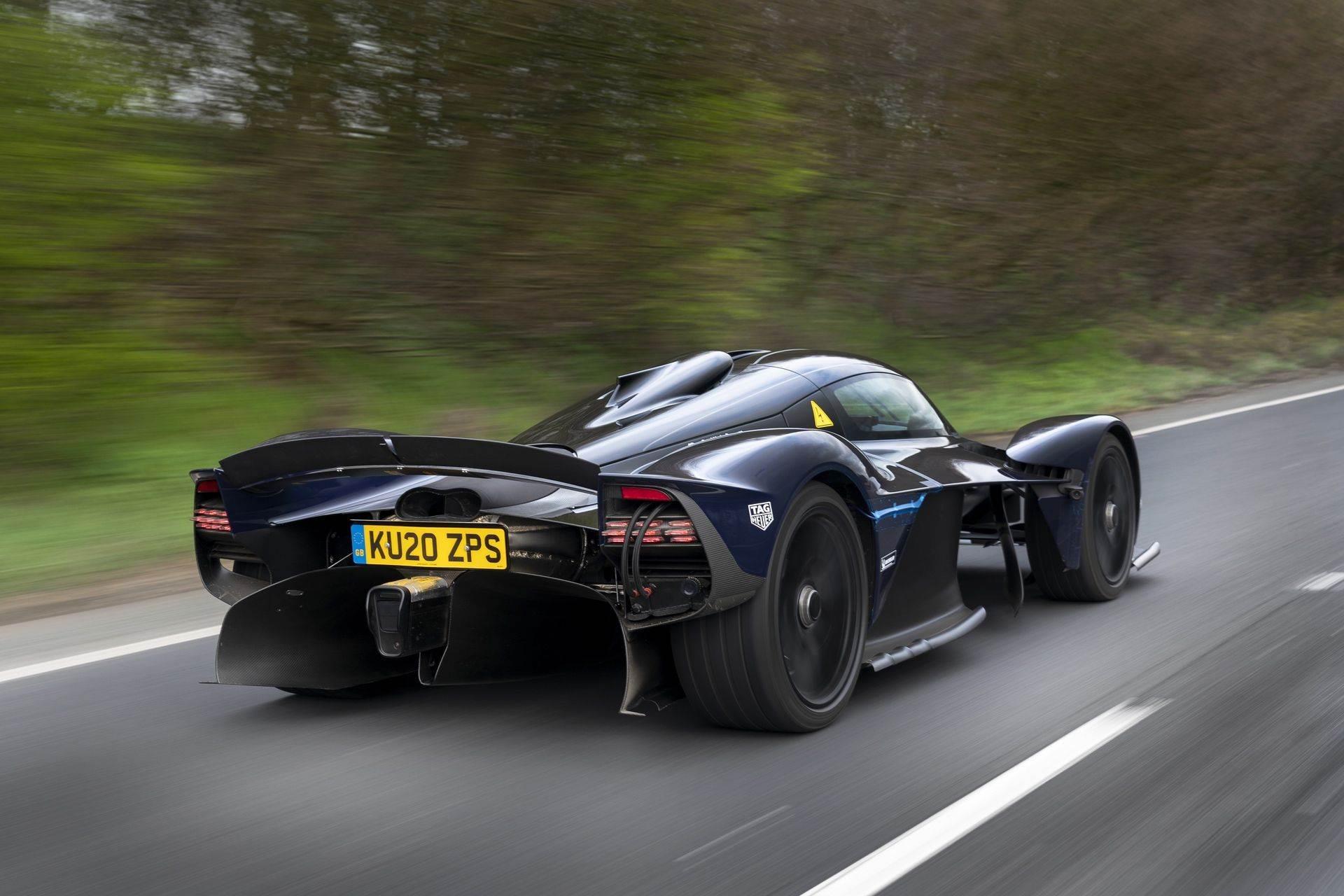 Aston_Martin_Valkyrie_public_roads_0002