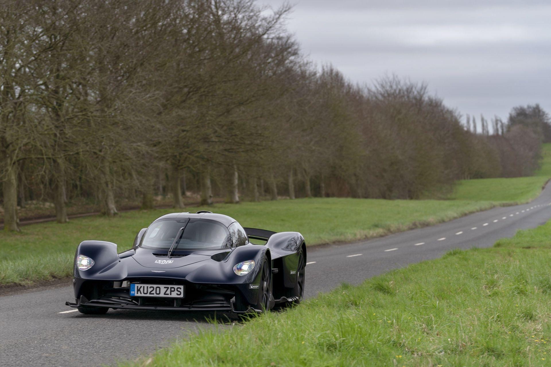 Aston_Martin_Valkyrie_public_roads_0005