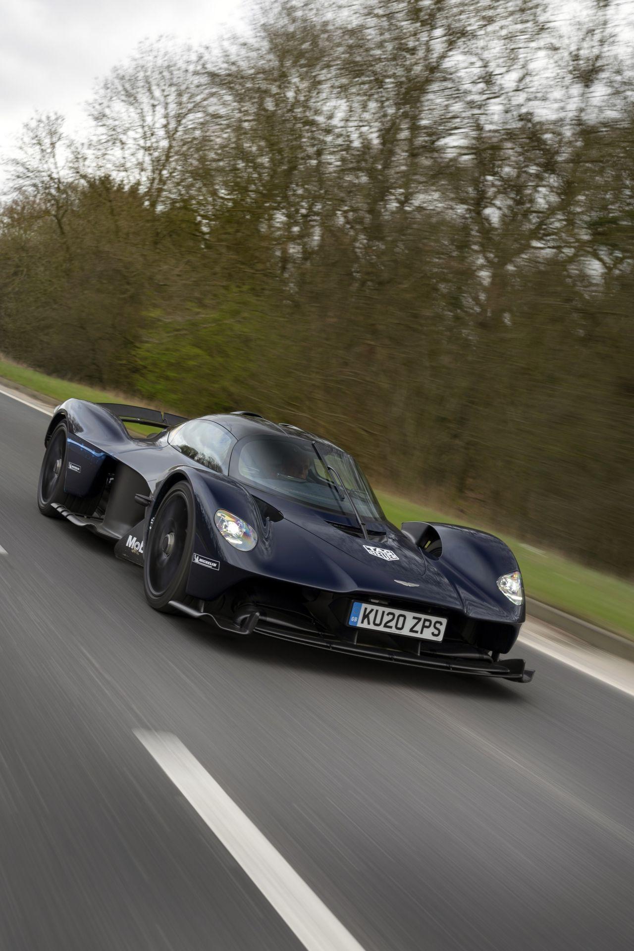 Aston_Martin_Valkyrie_public_roads_0008