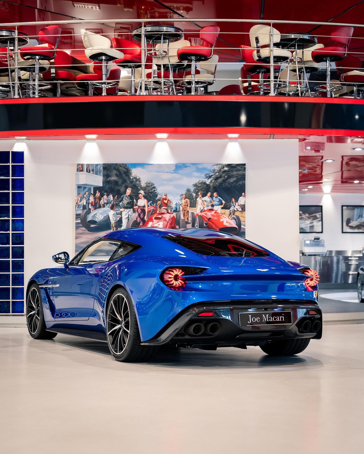 Aston_Martin_Vanquish_Zagato_Coupe_sale_0001