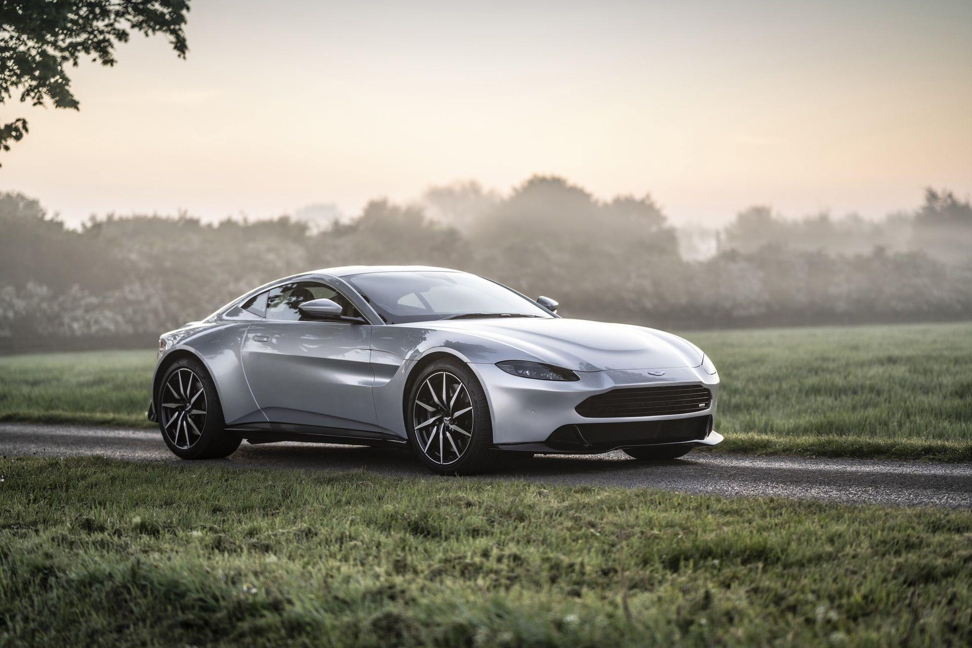 4.-Revenant-Automotive-Aston-Martin-Vantage-bumper