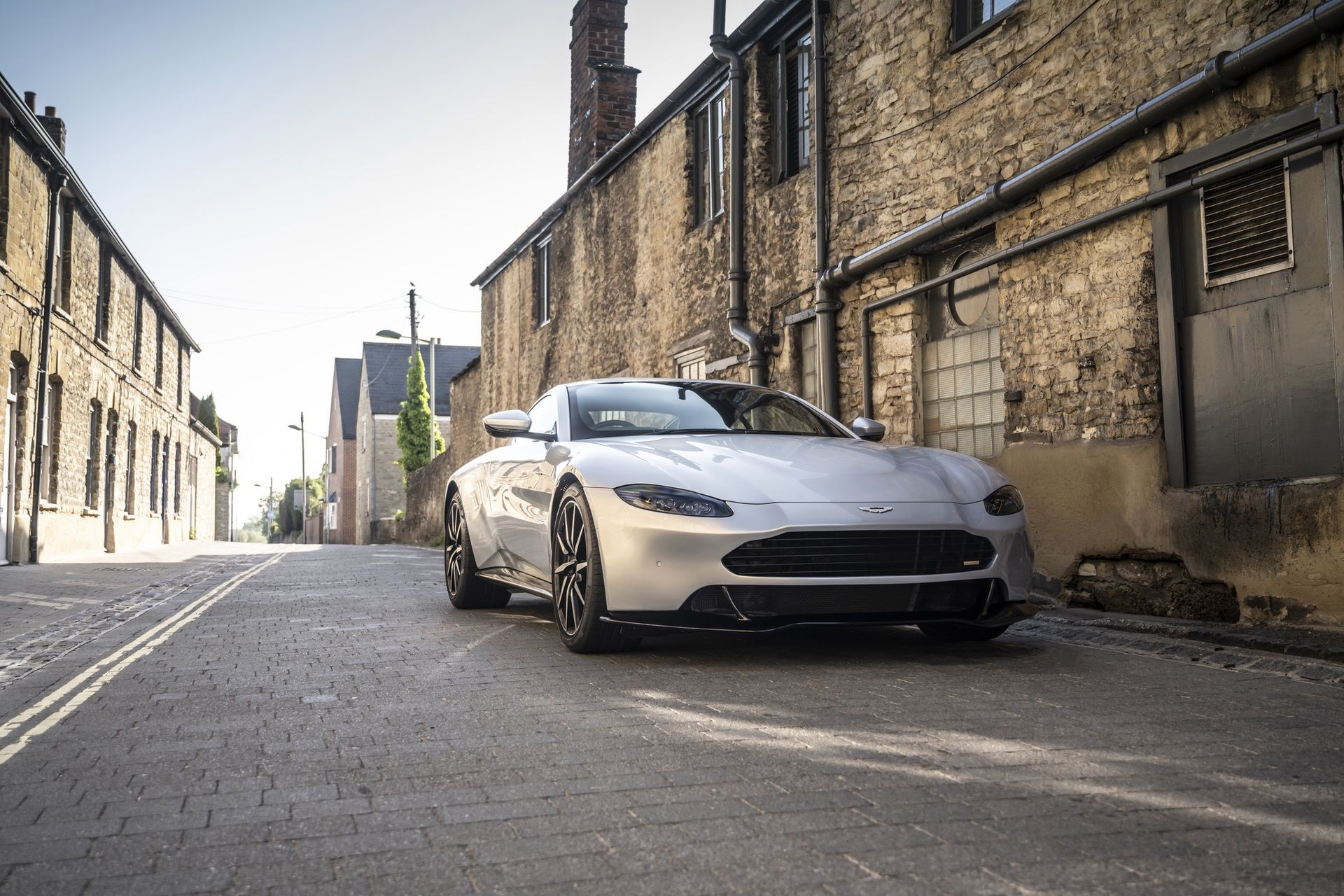 6.-Revenant-Automotive-Aston-Martin-Vantage-bumper-in-lightweight-composite