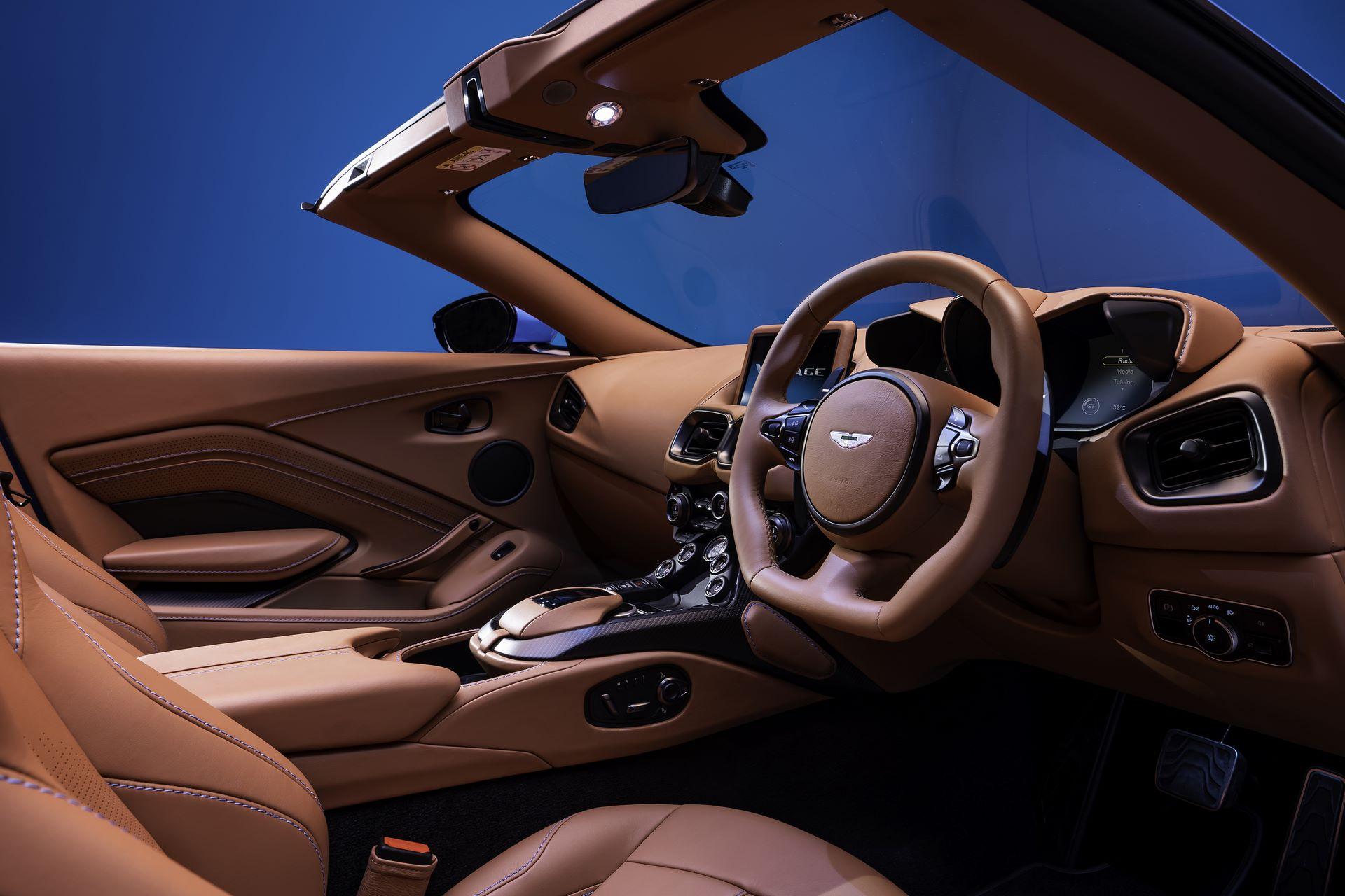 Aston-Martin-Vantage-Roadster_11