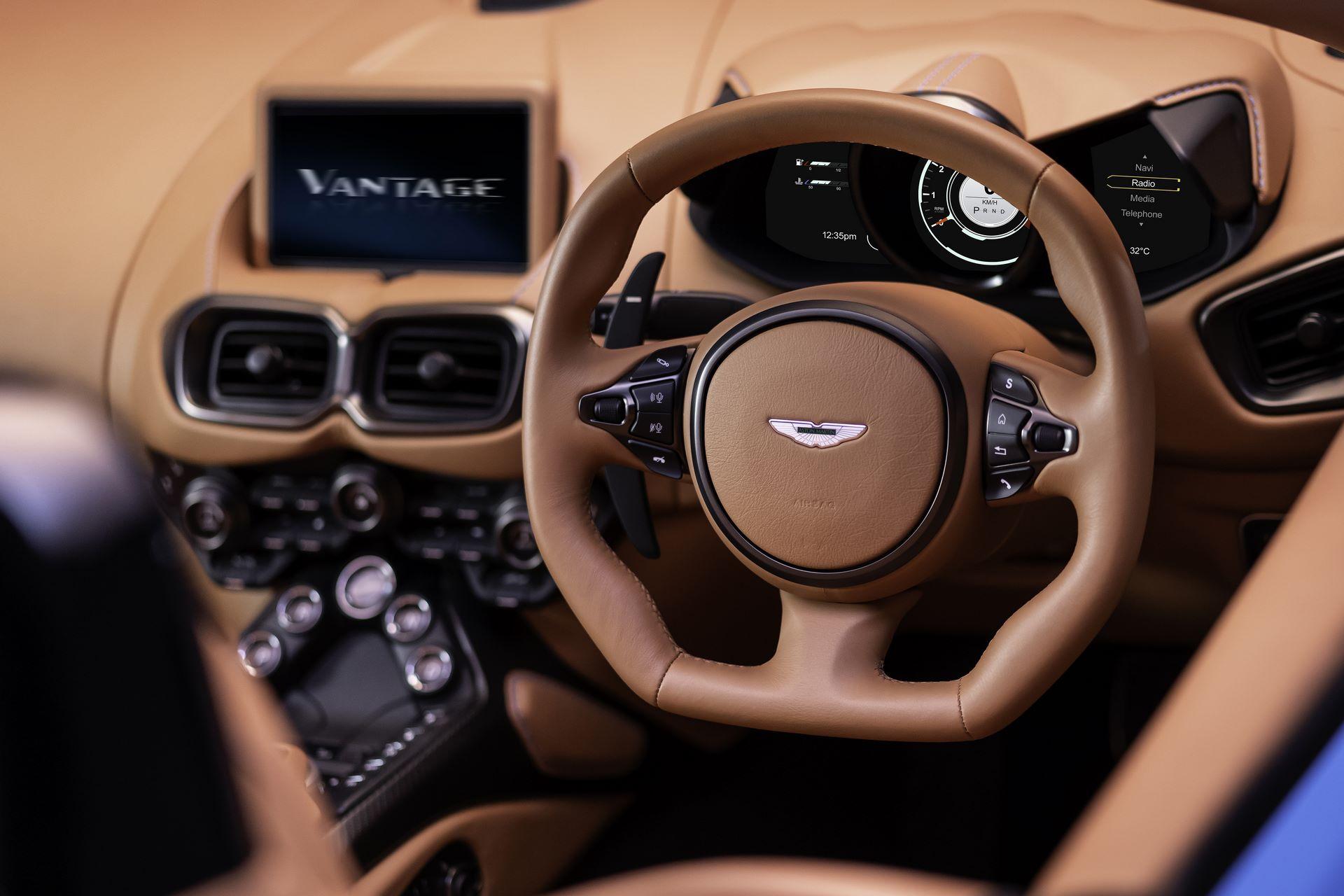 Aston-Martin-Vantage-Roadster_13