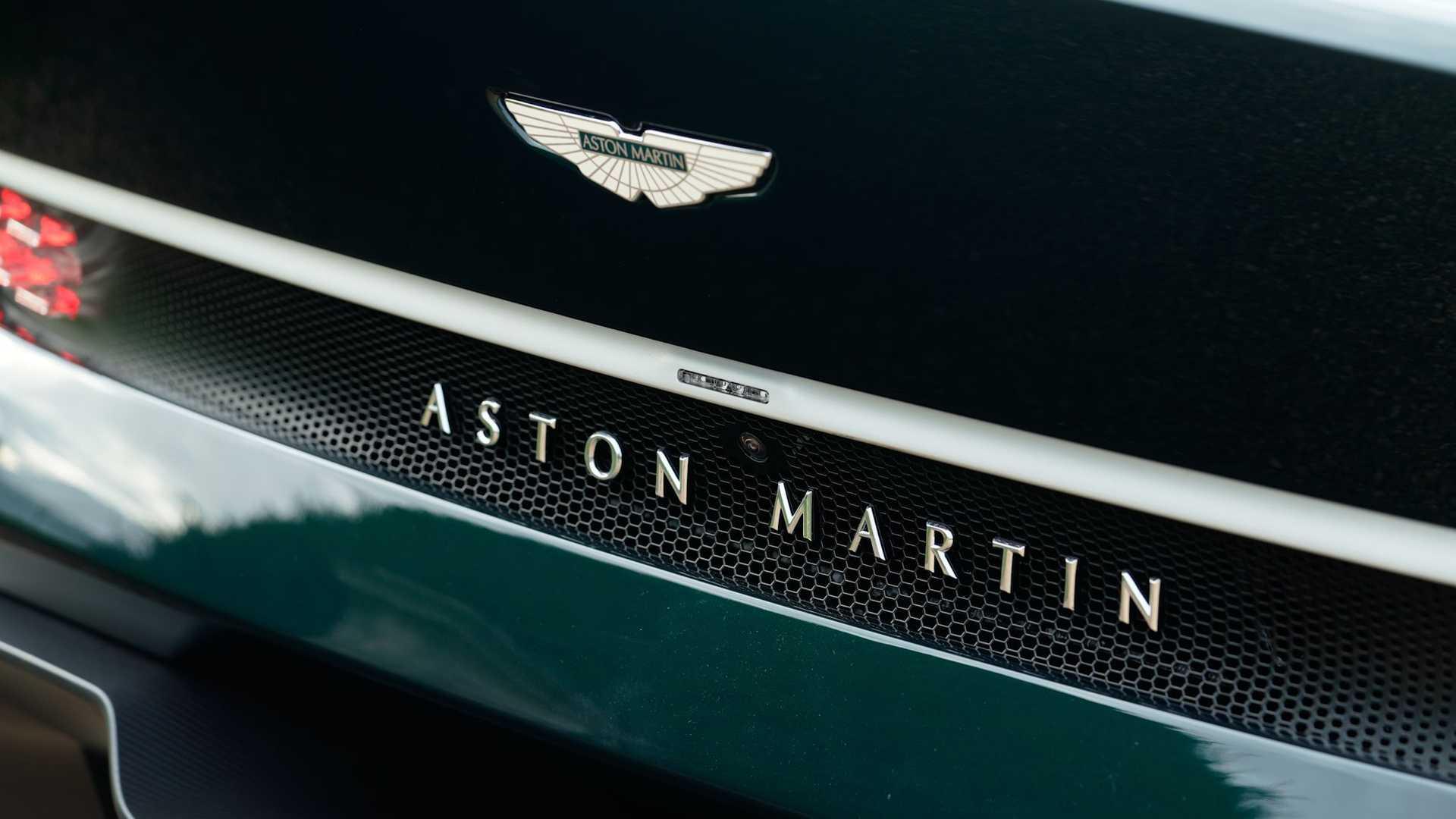 Aston-Martin-Victor-22