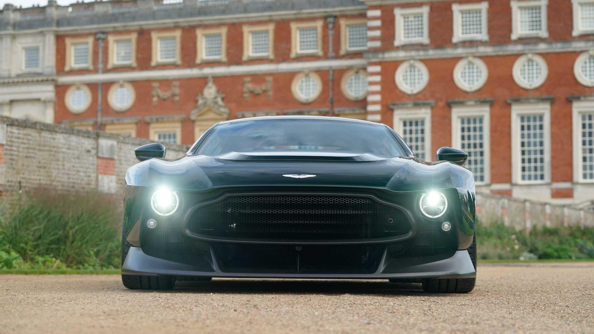 Aston-Martin-Victor-5