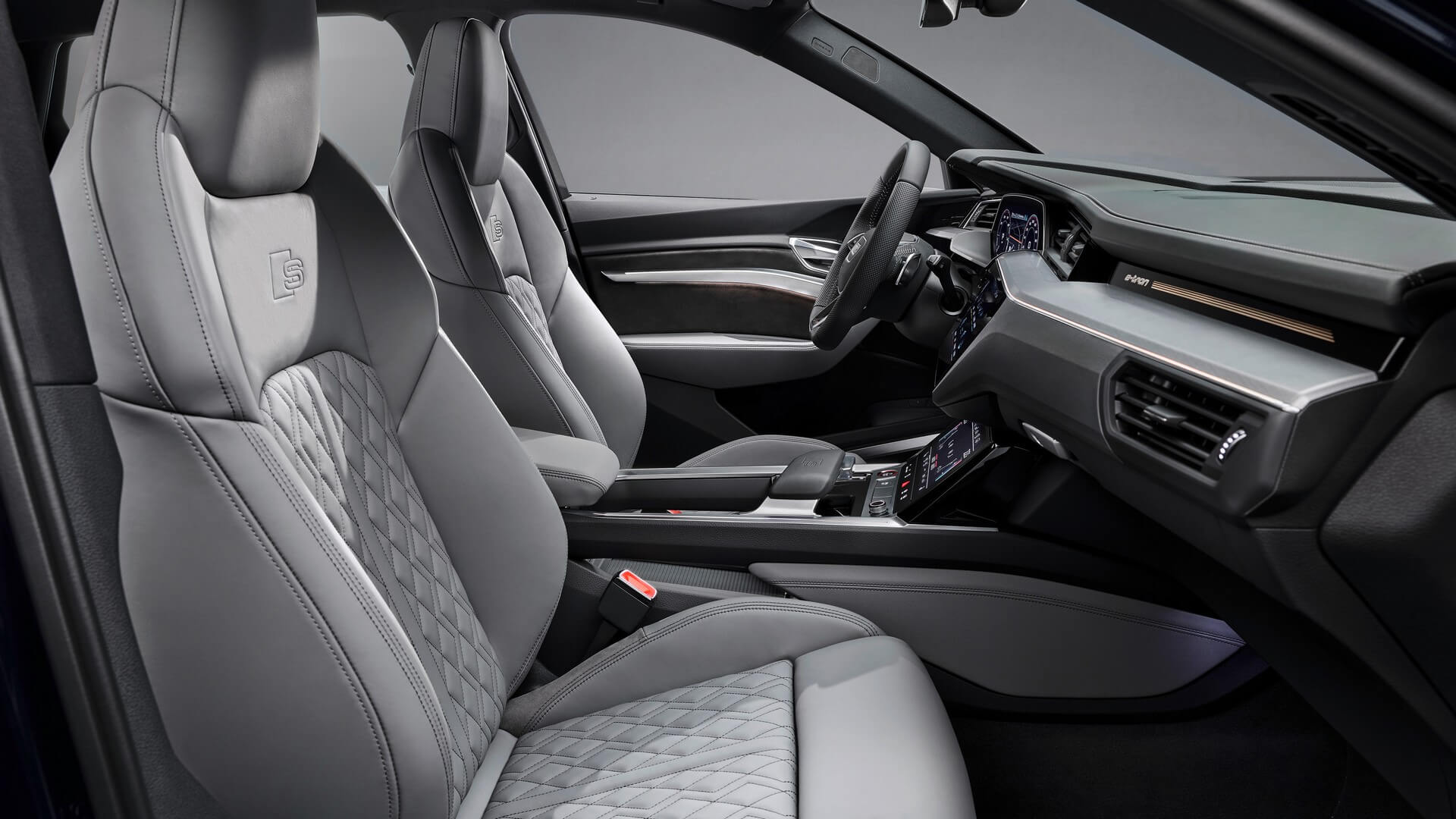 Audi-E-Tron-S-and-E-Tron-S-Sportback-2020-105