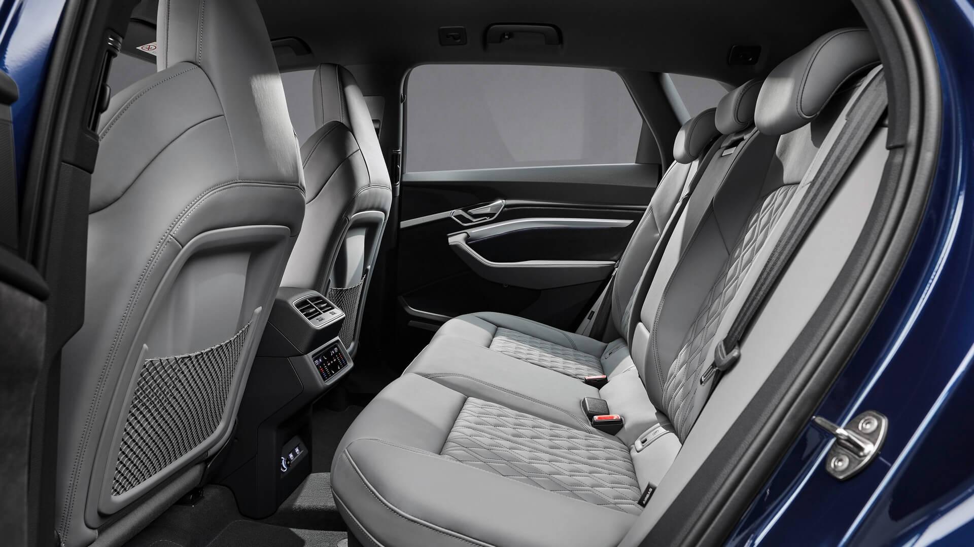 Audi-E-Tron-S-and-E-Tron-S-Sportback-2020-106