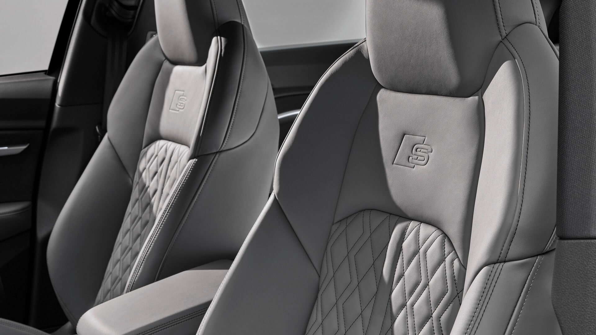 Audi-E-Tron-S-and-E-Tron-S-Sportback-2020-109
