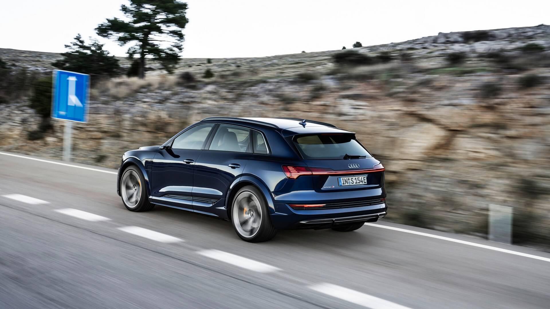 Audi-E-Tron-S-and-E-Tron-S-Sportback-2020-11