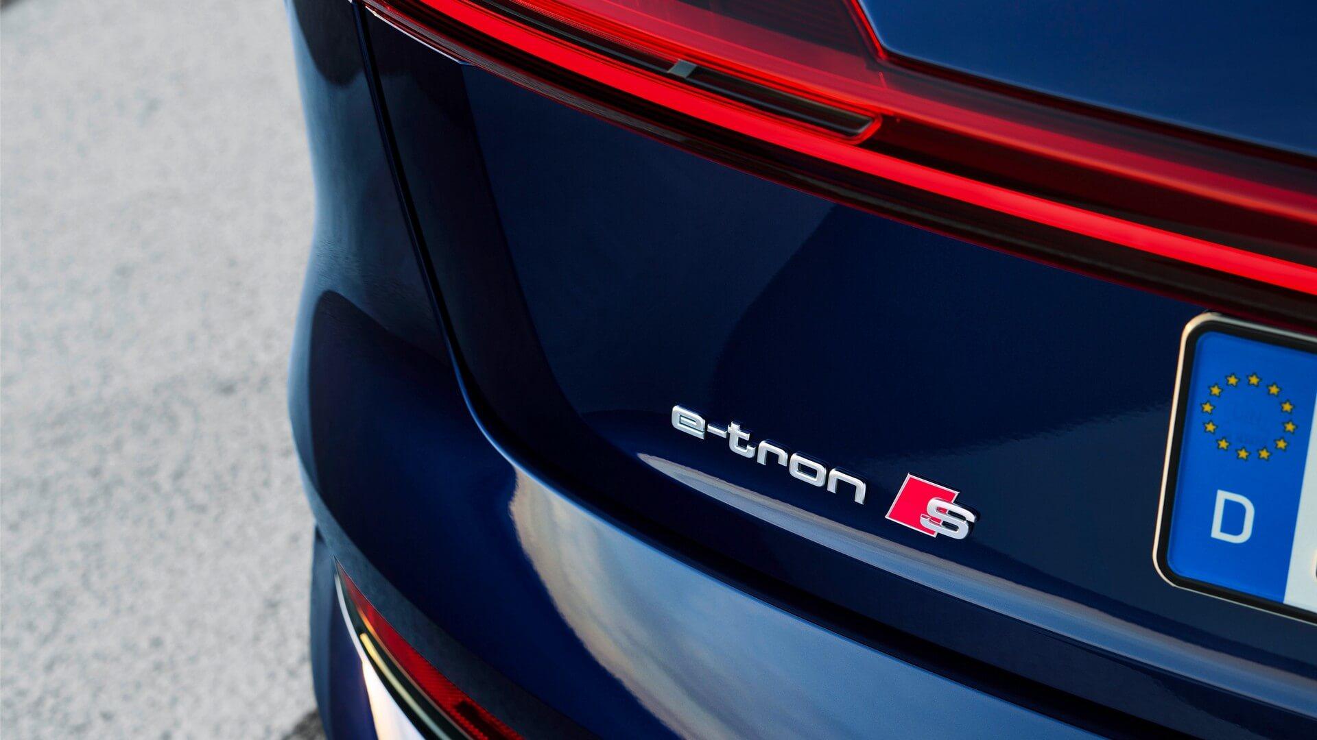 Audi-E-Tron-S-and-E-Tron-S-Sportback-2020-120