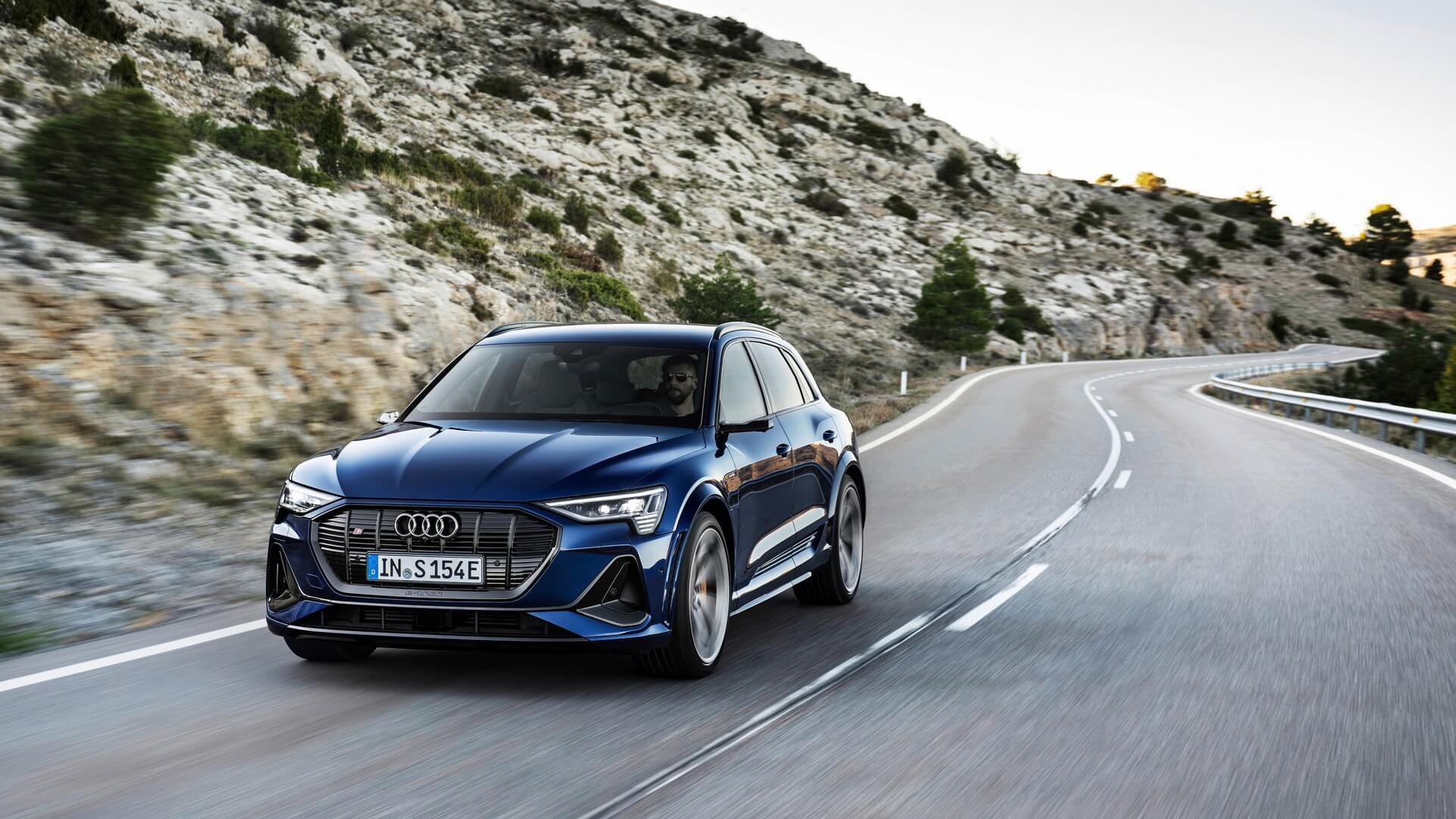 Audi-E-Tron-S-and-E-Tron-S-Sportback-2020-13