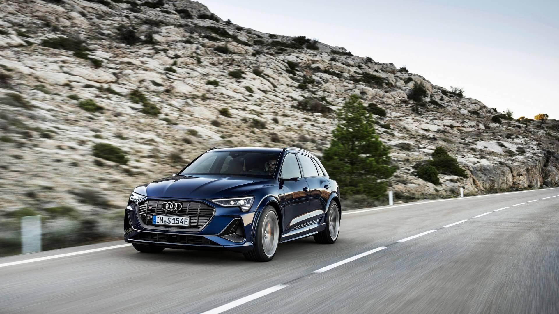 Audi-E-Tron-S-and-E-Tron-S-Sportback-2020-14