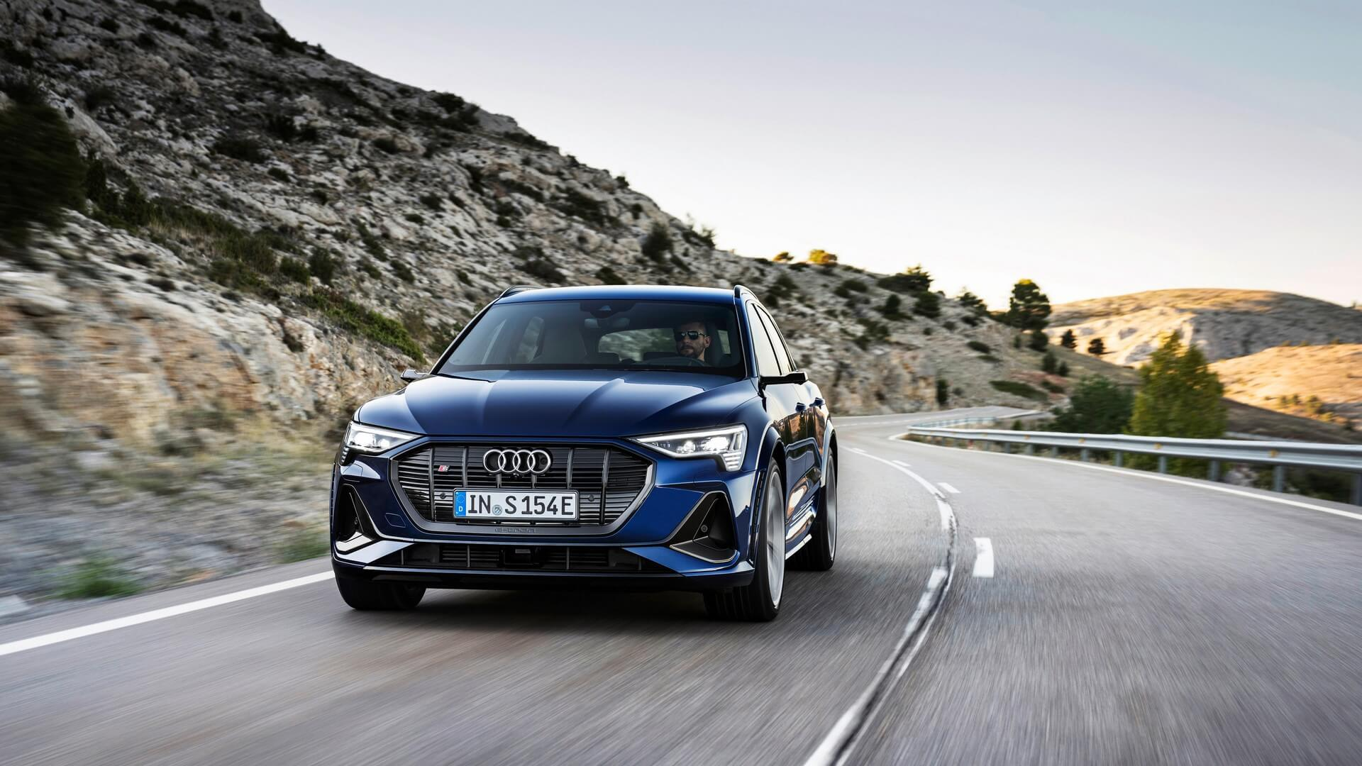 Audi-E-Tron-S-and-E-Tron-S-Sportback-2020-15