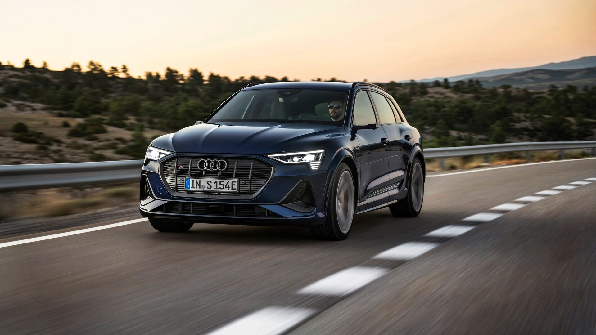 Audi-E-Tron-S-and-E-Tron-S-Sportback-2020-19