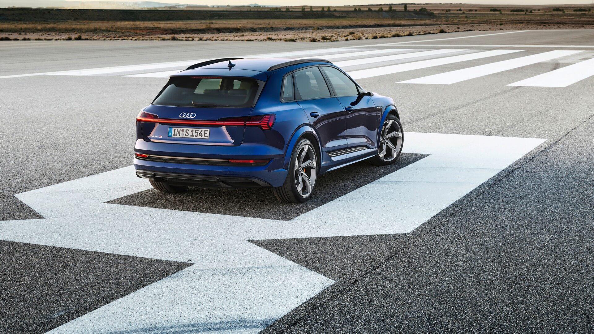 Audi-E-Tron-S-and-E-Tron-S-Sportback-2020-23