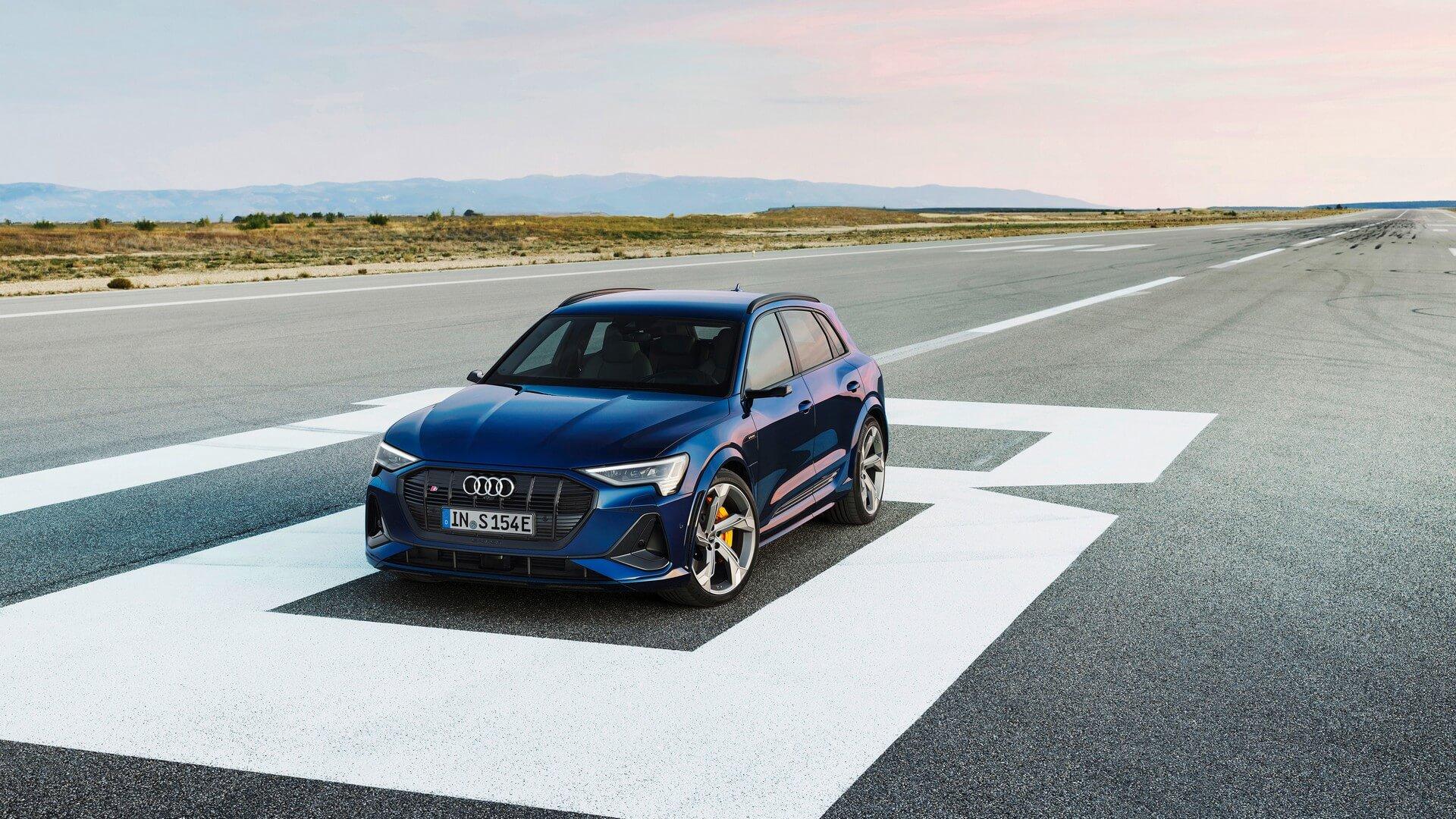 Audi-E-Tron-S-and-E-Tron-S-Sportback-2020-24