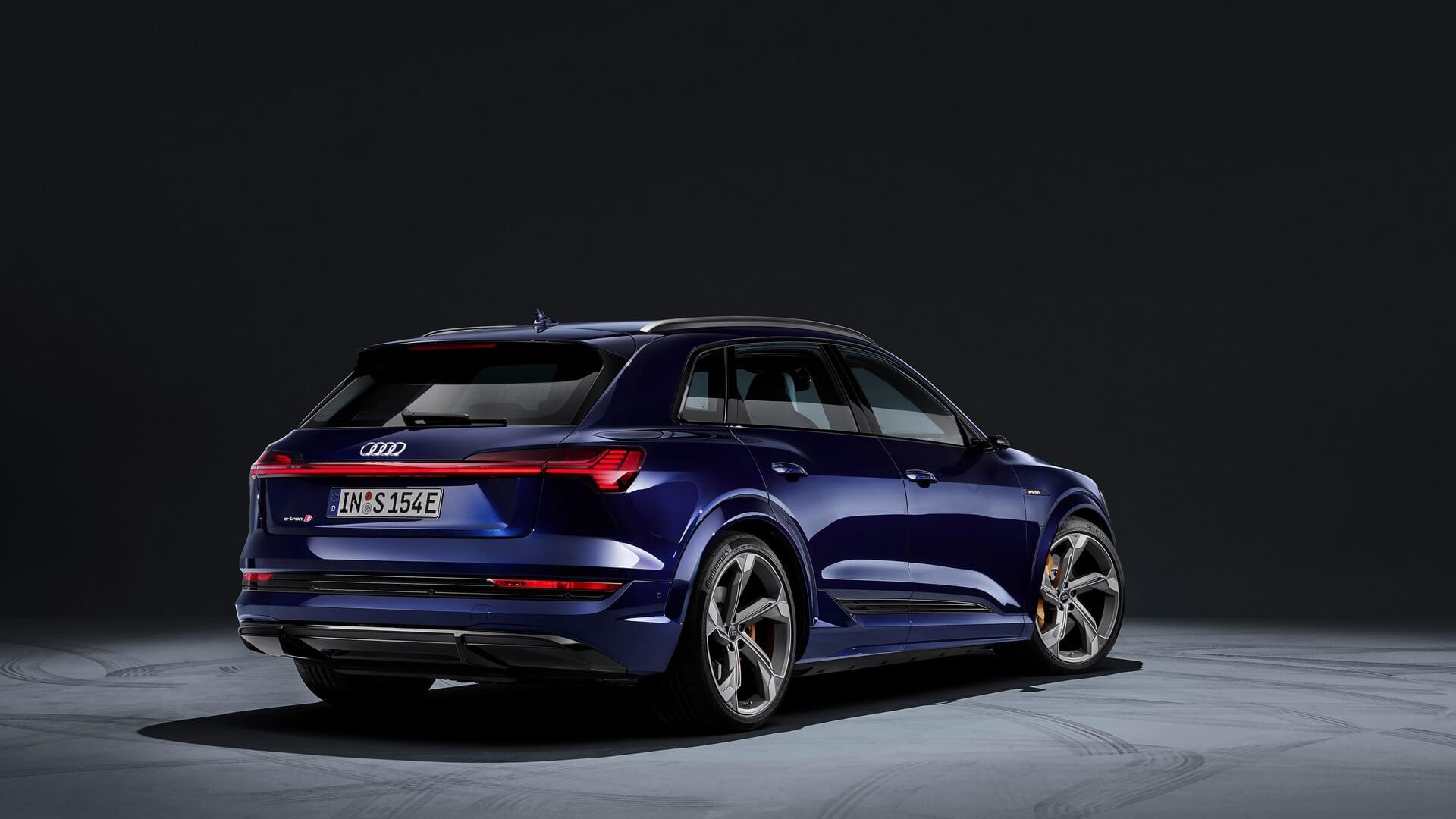 Audi-E-Tron-S-and-E-Tron-S-Sportback-2020-27