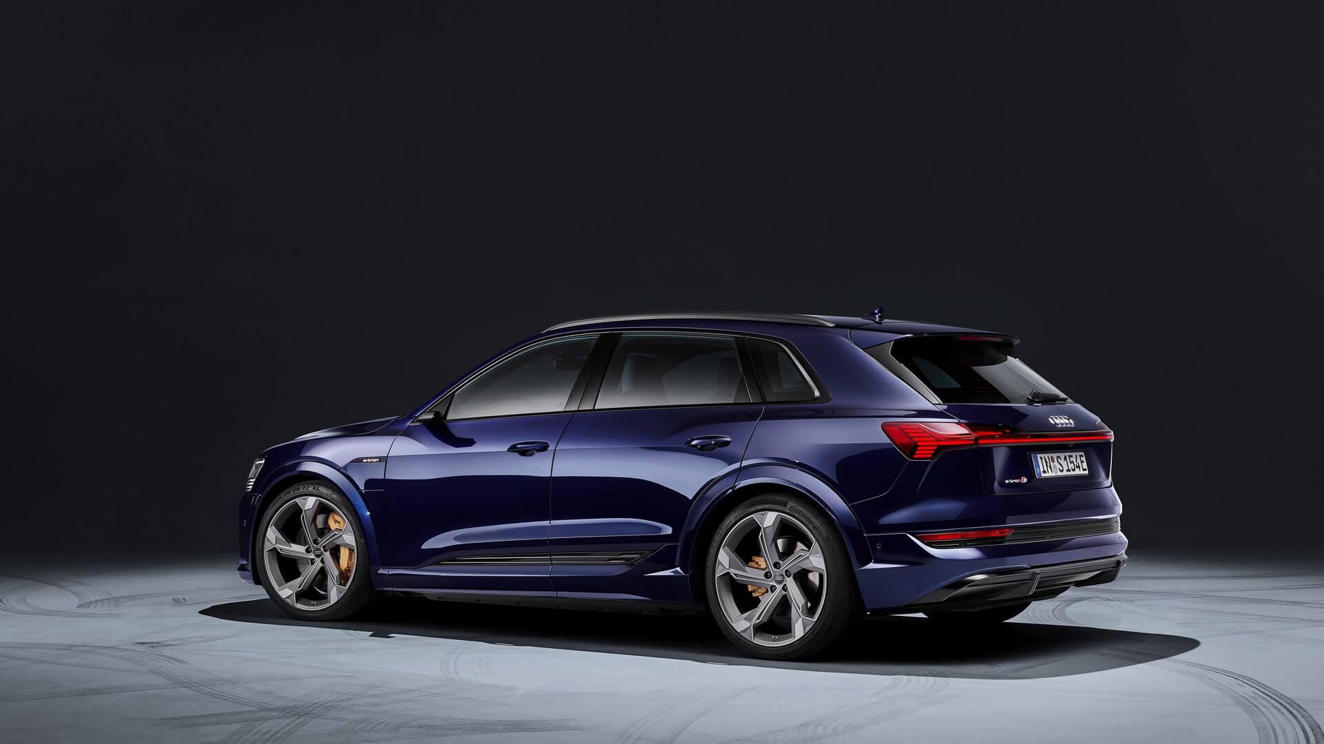 Audi-E-Tron-S-and-E-Tron-S-Sportback-2020-28