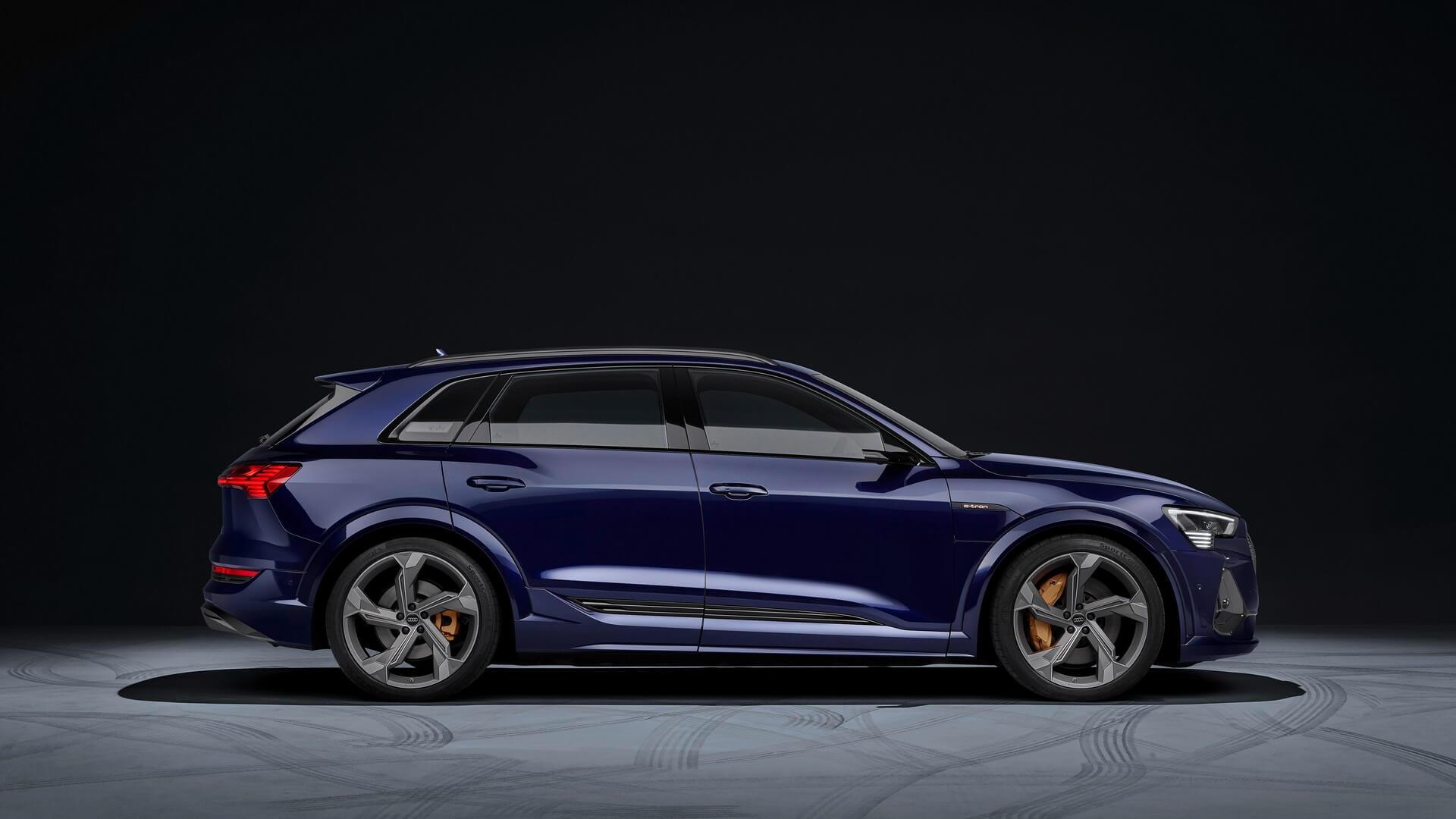 Audi-E-Tron-S-and-E-Tron-S-Sportback-2020-32