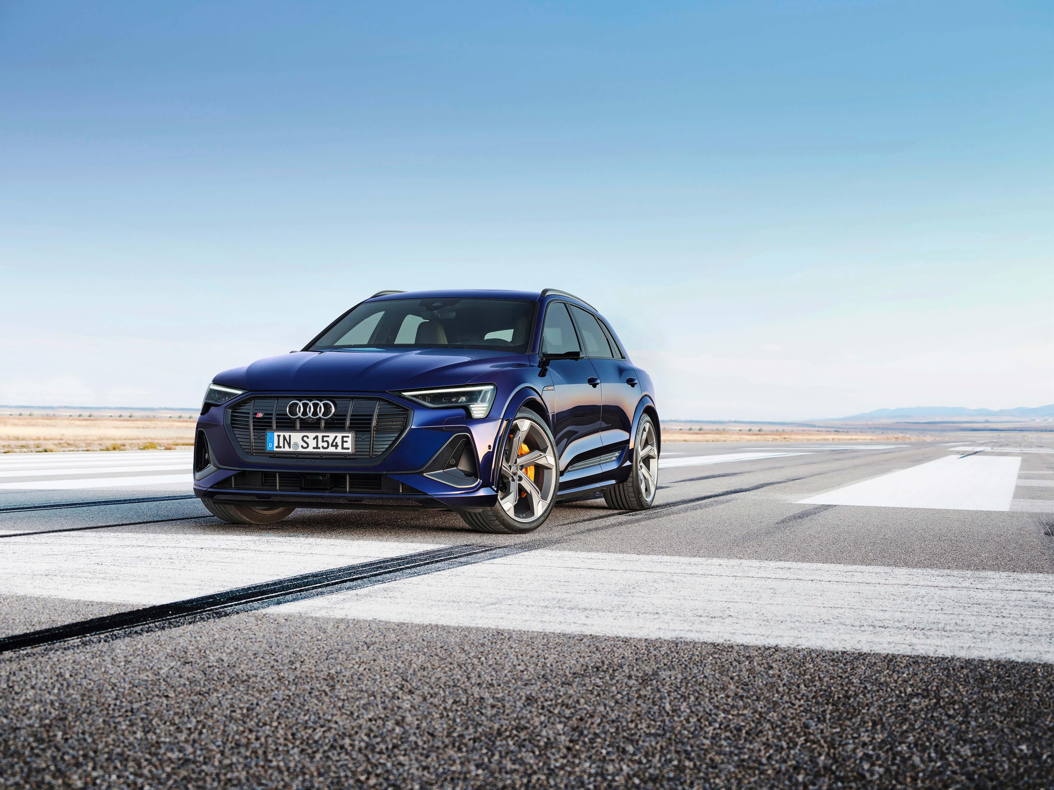 Audi-E-Tron-S-and-E-Tron-S-Sportback-2020-33