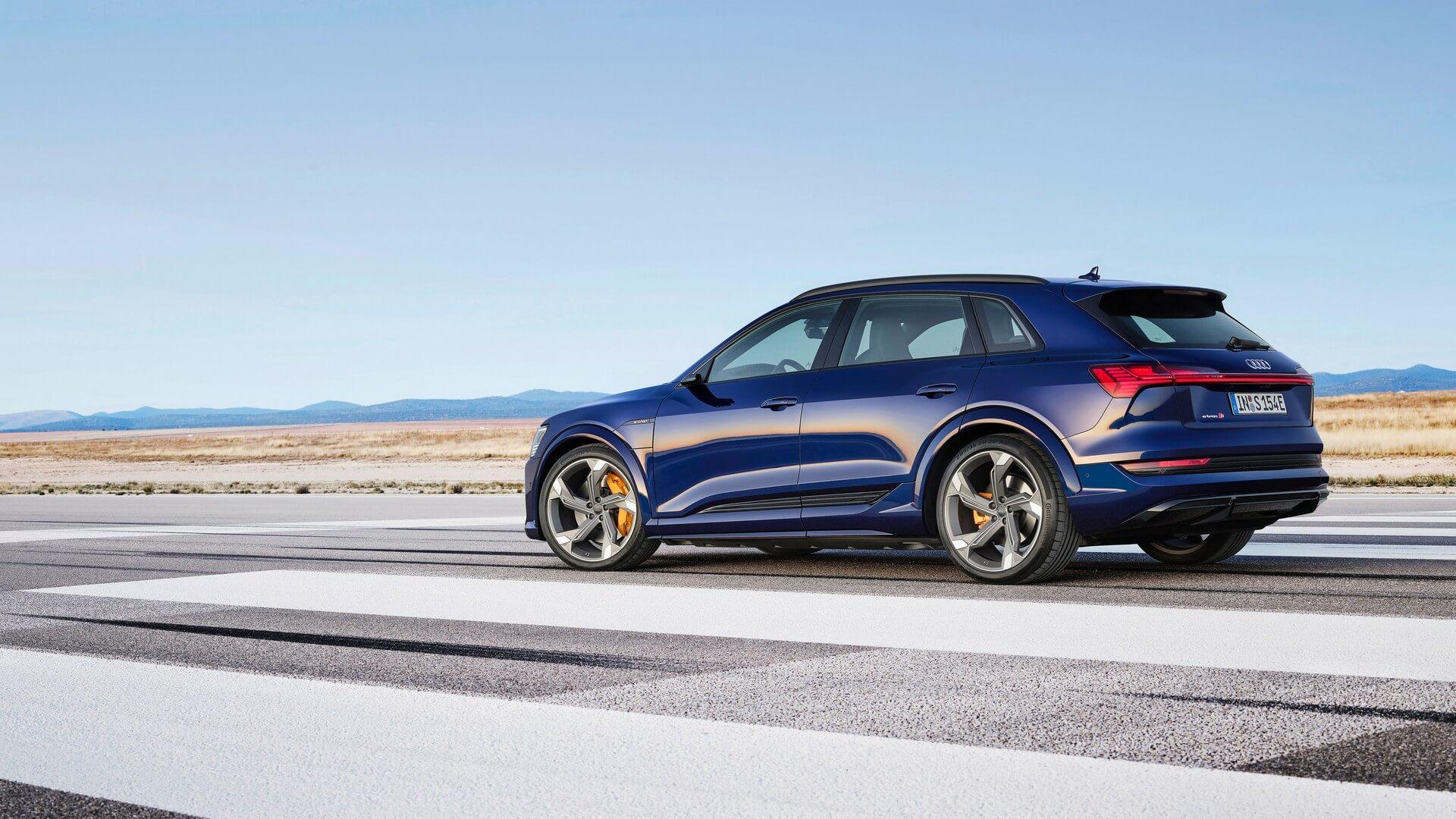 Audi-E-Tron-S-and-E-Tron-S-Sportback-2020-35