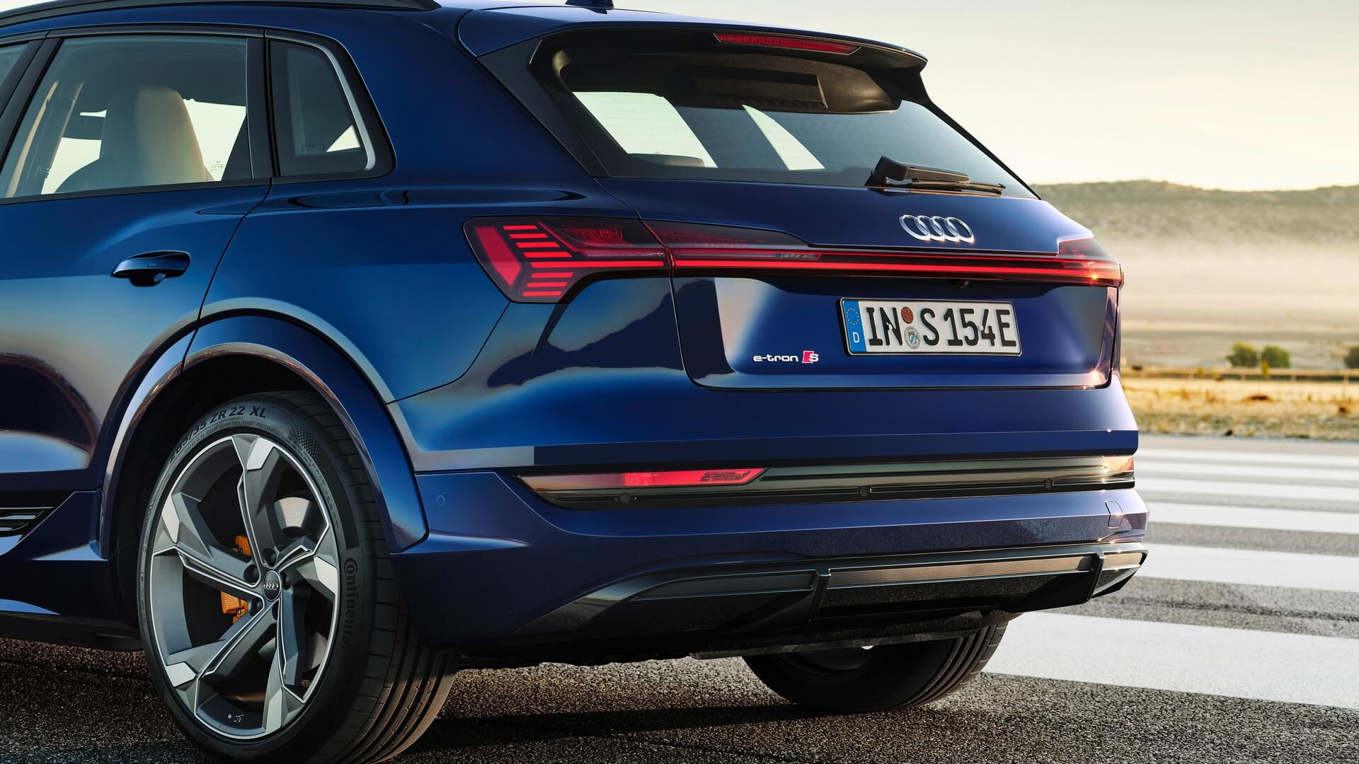Audi-E-Tron-S-and-E-Tron-S-Sportback-2020-40