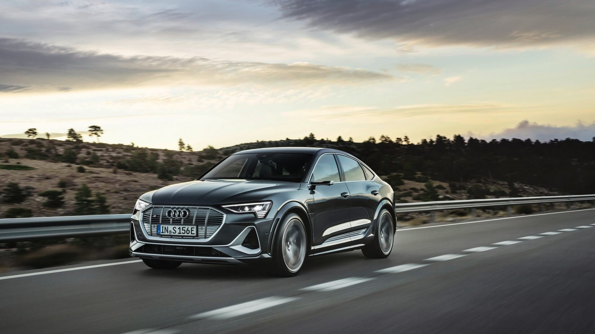 Audi-E-Tron-S-and-E-Tron-S-Sportback-2020-43