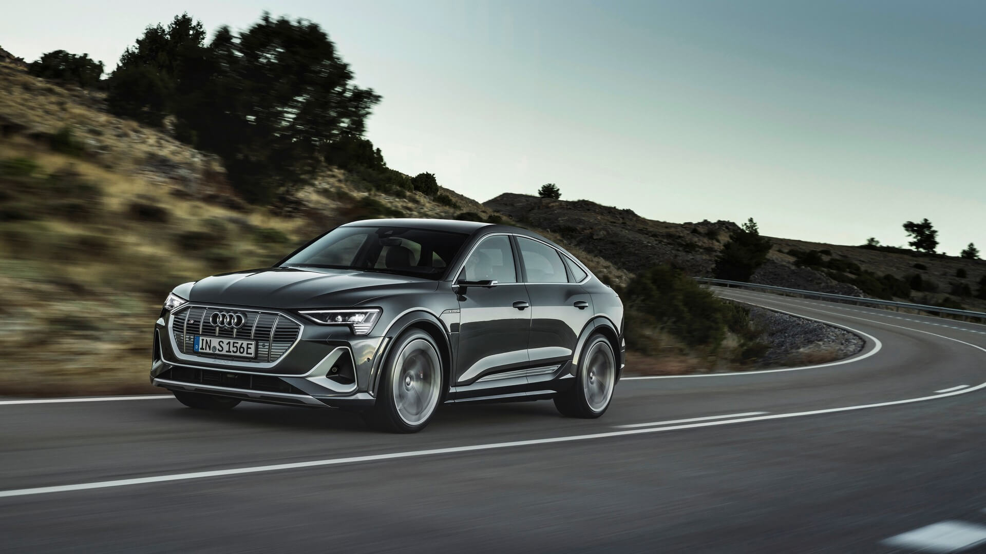 Audi-E-Tron-S-and-E-Tron-S-Sportback-2020-45