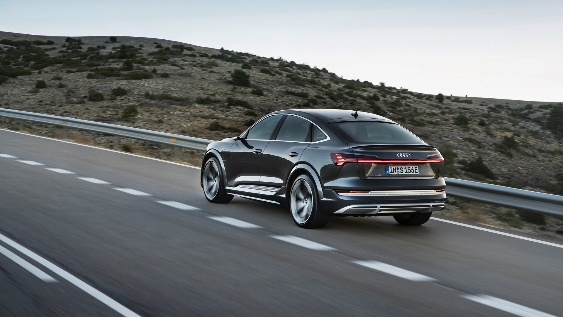 Audi-E-Tron-S-and-E-Tron-S-Sportback-2020-54
