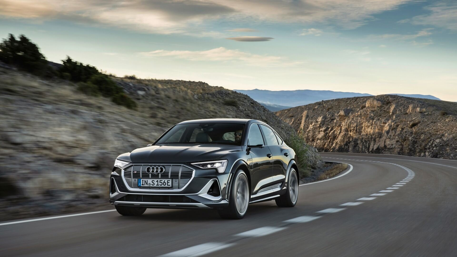 Audi-E-Tron-S-and-E-Tron-S-Sportback-2020-59