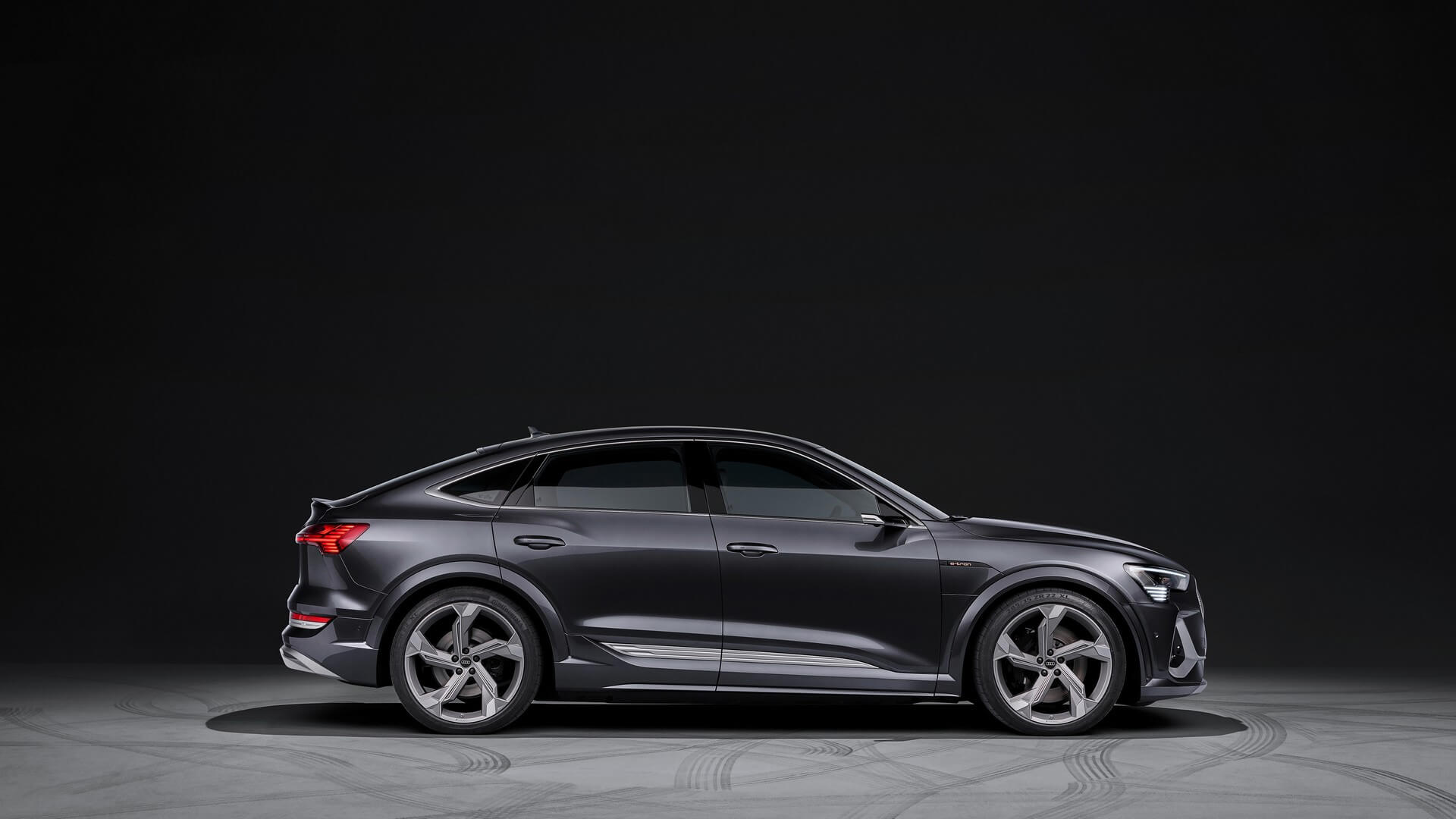 Audi-E-Tron-S-and-E-Tron-S-Sportback-2020-63