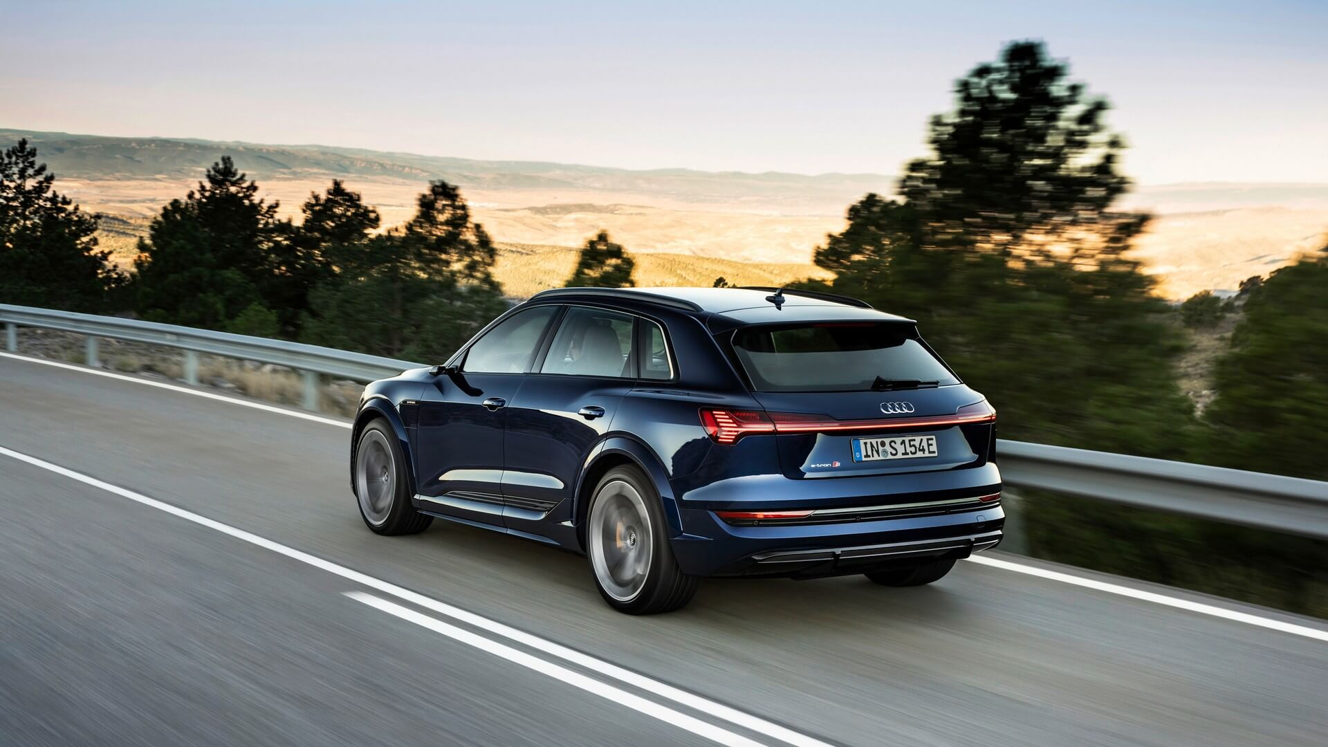 Audi-E-Tron-S-and-E-Tron-S-Sportback-2020-8