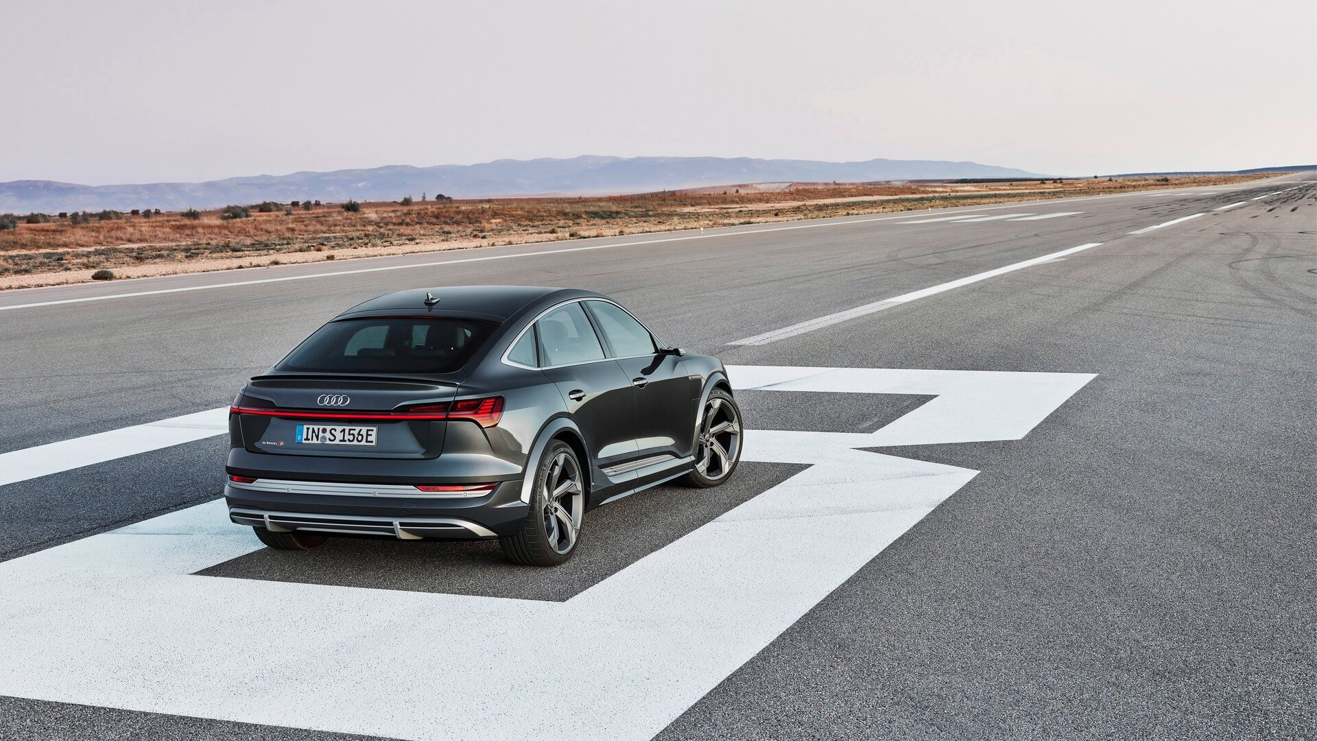 Audi-E-Tron-S-and-E-Tron-S-Sportback-2020-82