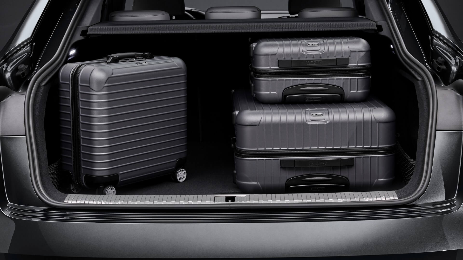 Audi-E-Tron-S-and-E-Tron-S-Sportback-2020-87