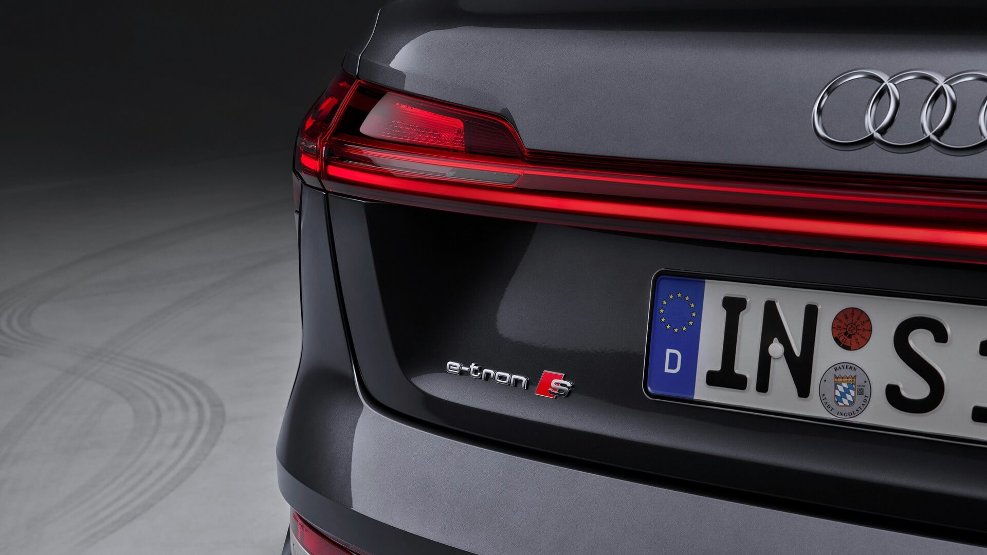 Audi-E-Tron-S-and-E-Tron-S-Sportback-2020-88